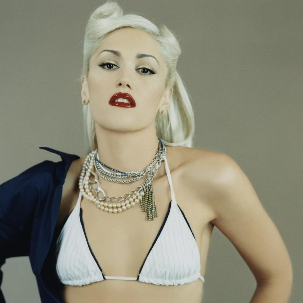 Gwen stefani naked showing porn
