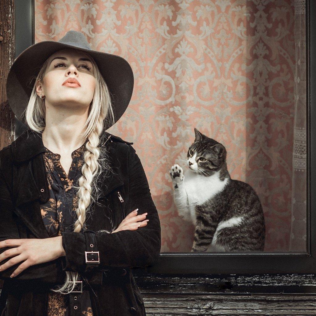 Картинки девушки кошки блондинки