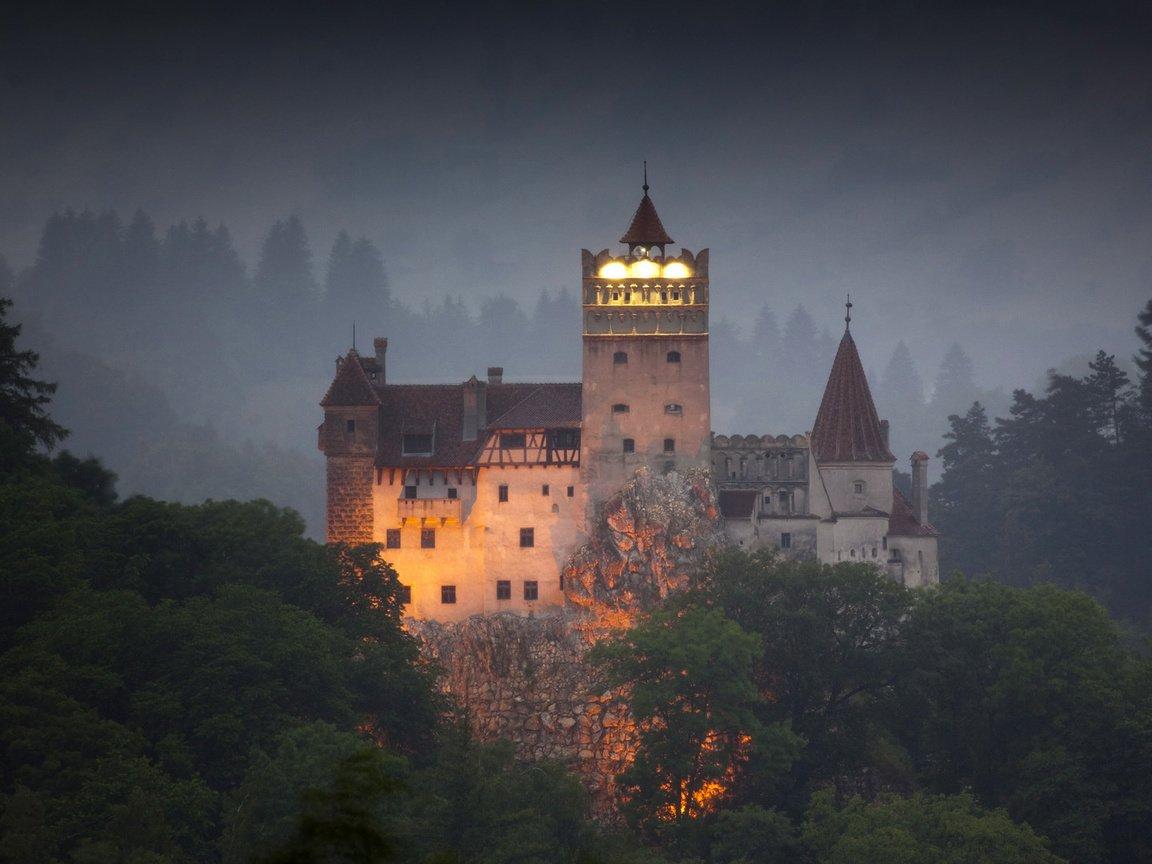 Замок графа дракулы фотографии