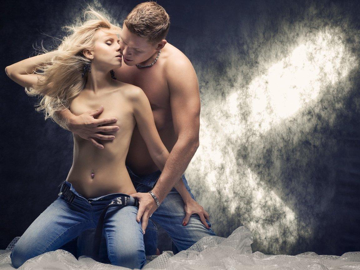 devushki-s-muzhchinami-erotika