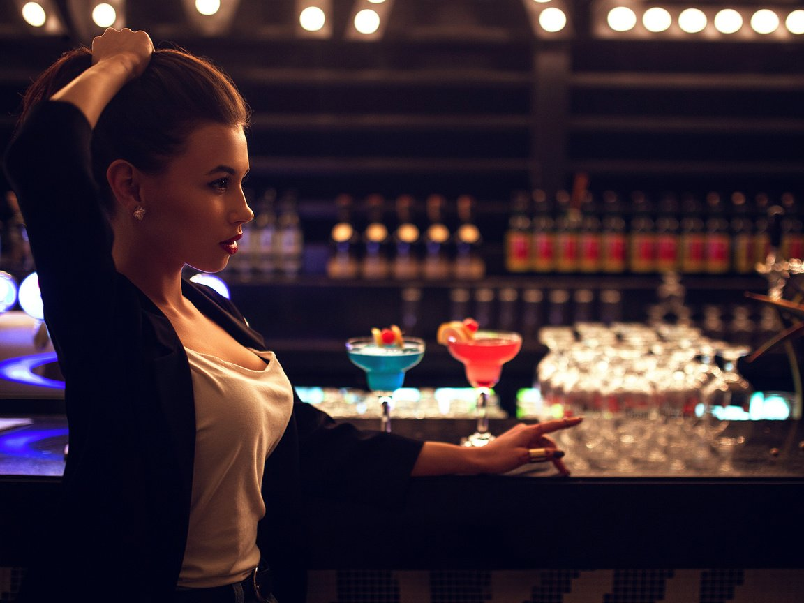 Снял телку в баре, Парень снял телку в баре и трахнул ее дома порно видео 27 фотография