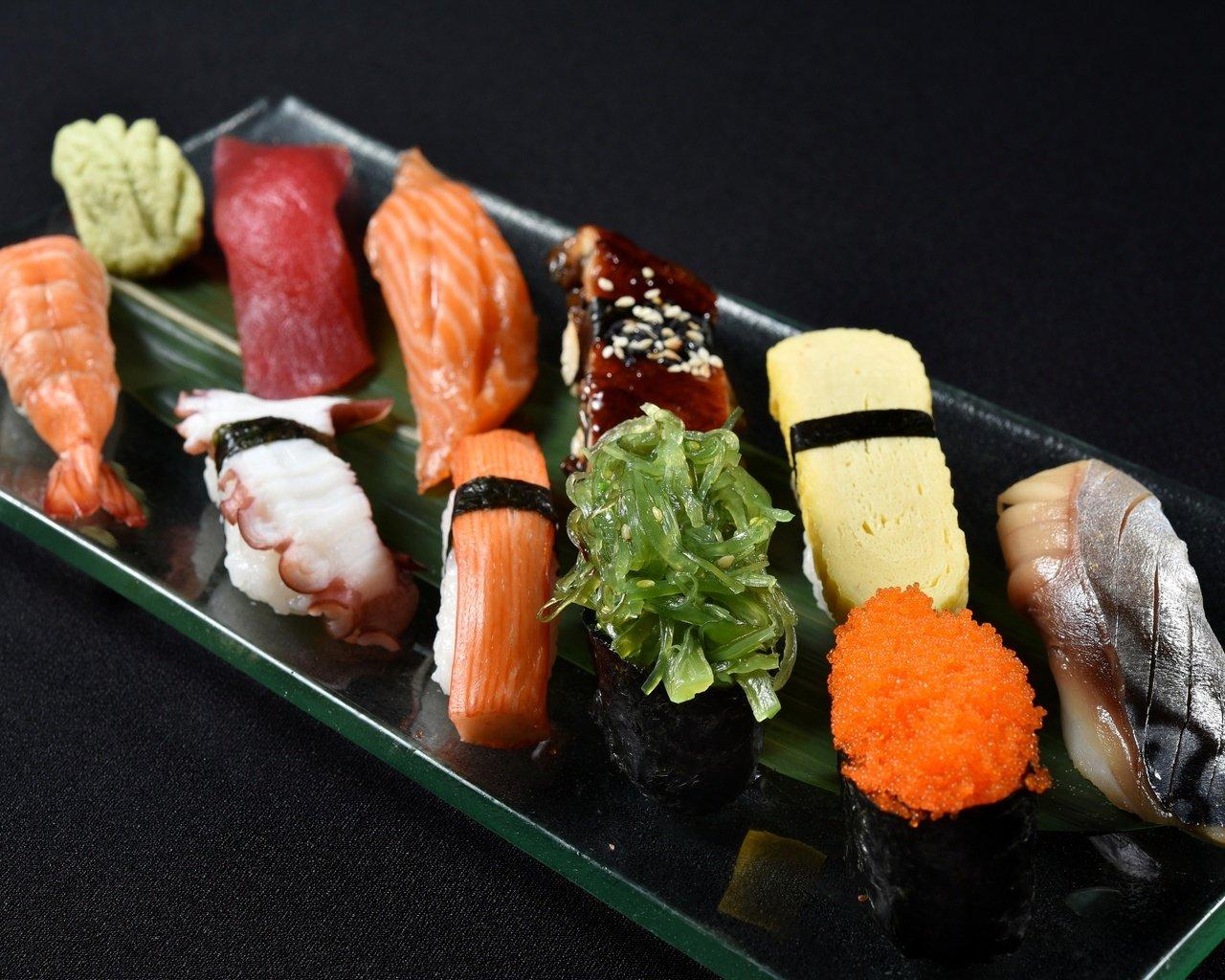 Скачать обои рыба, японская еда, суши, роллы, морепродукты разрешение 1280x1024 #98272