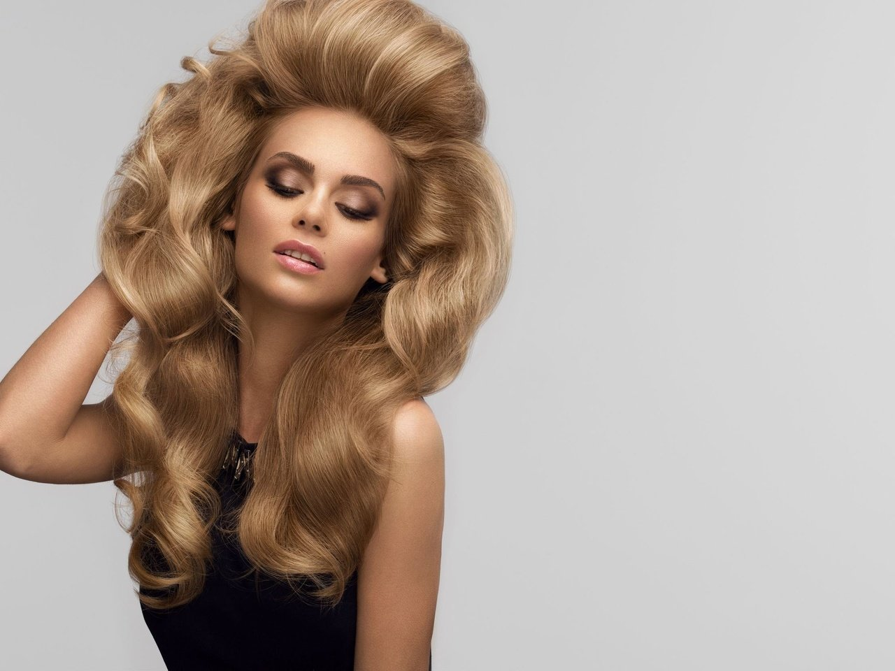 Fashions first five hair in thousand years Fashions in Hair: The First Five Thousand Years:.uk