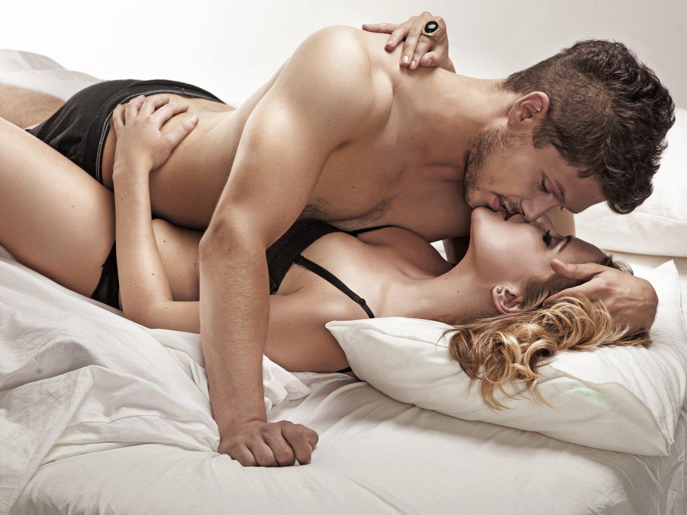 жена в постели фантазер