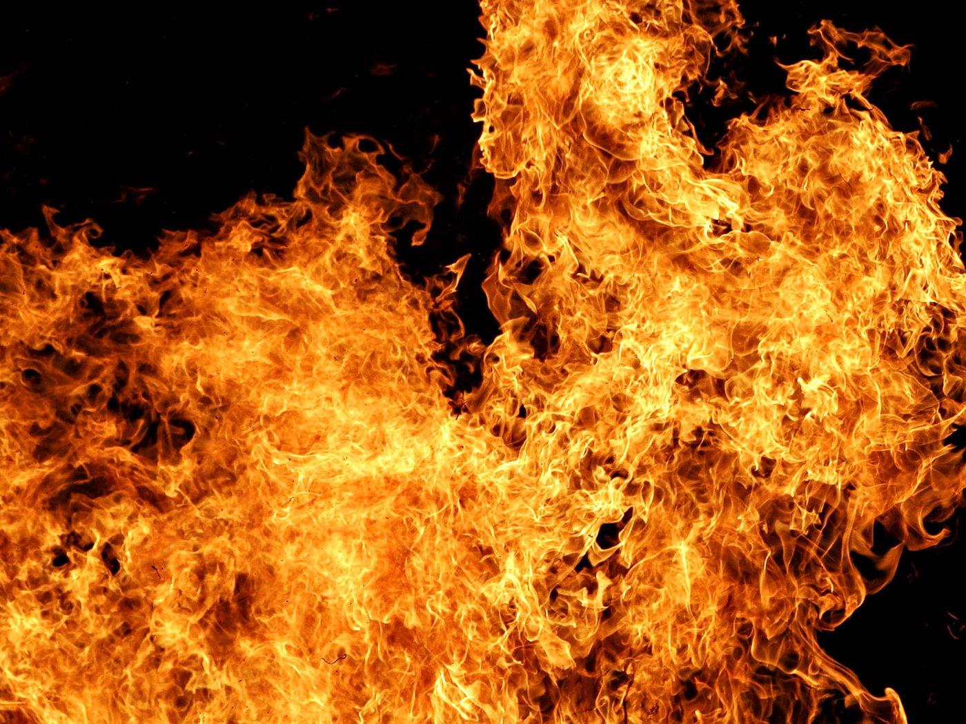 интенсивность картинки в высоком разрешении огонь праздник яркий будет
