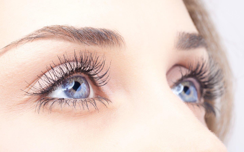 Как сделать белки глаз человека белее? Видео - Woman's Day 6