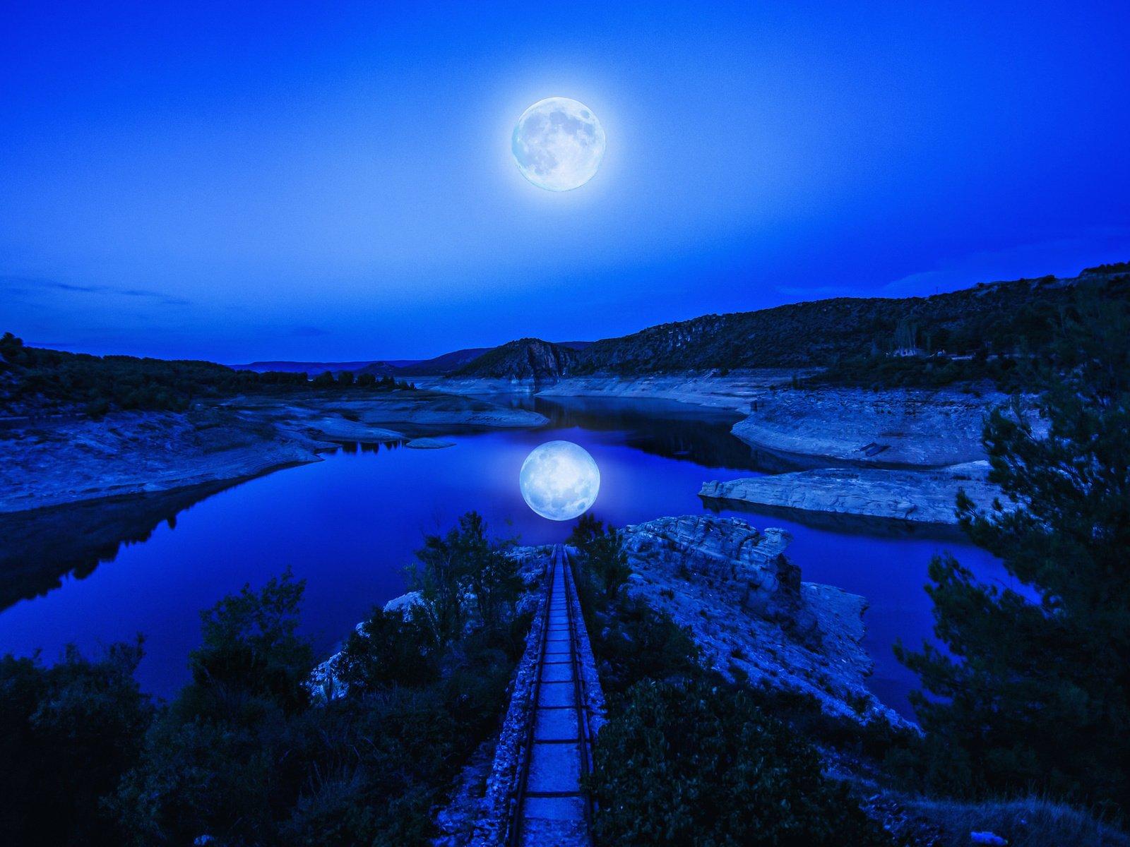 человек как фотографировать пейзаж с луной использование темных цветов