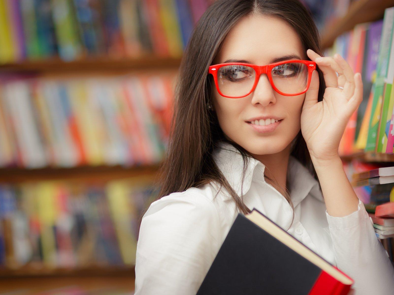 студентка в очках видео