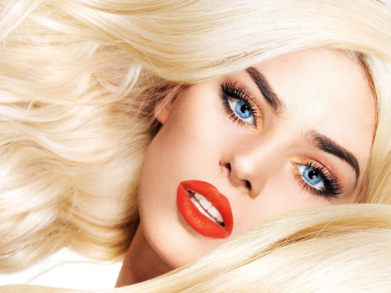 Смотреть видео макияжа для блондинок онлайн 46