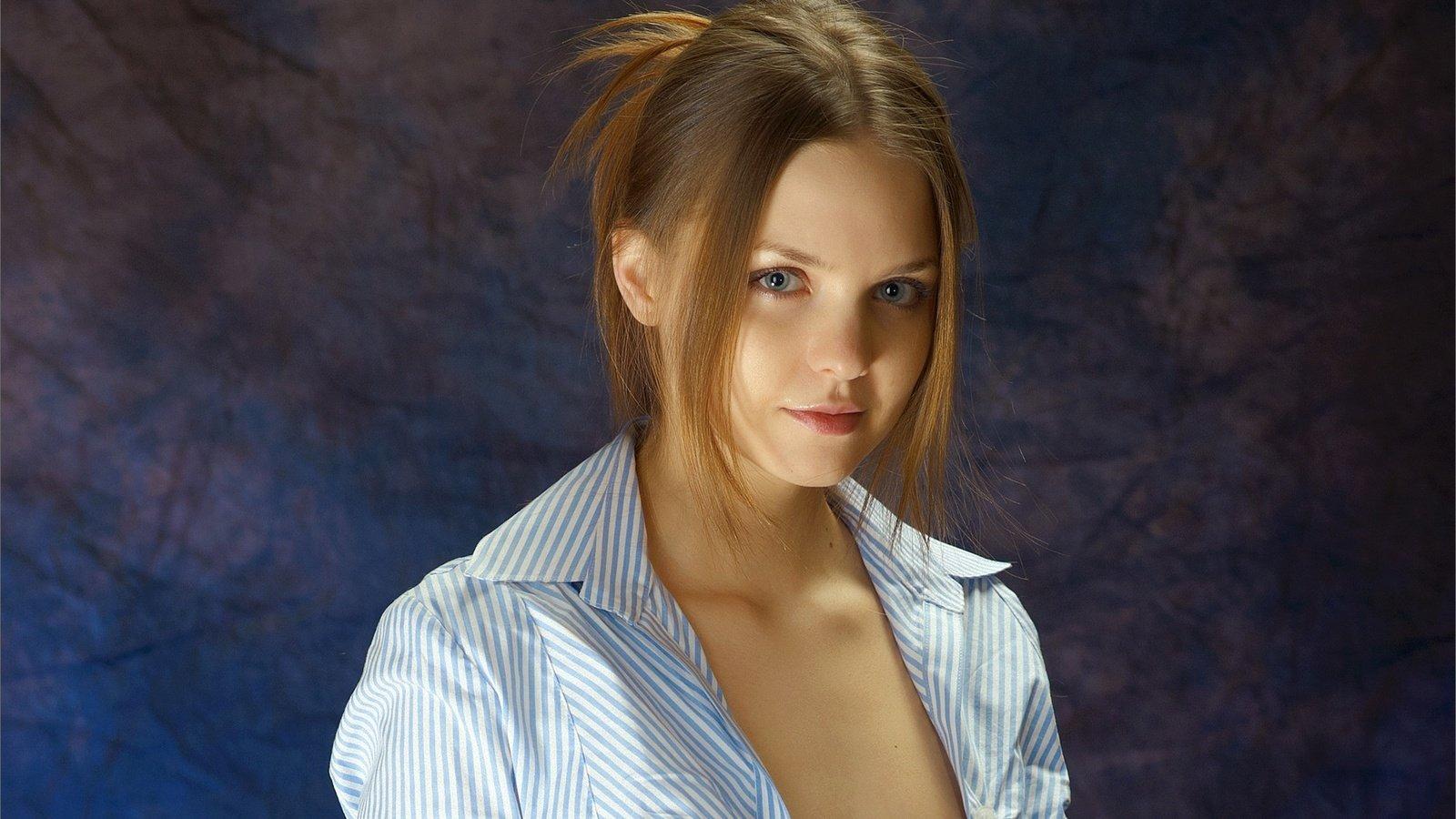 Юная красотка открыла порно