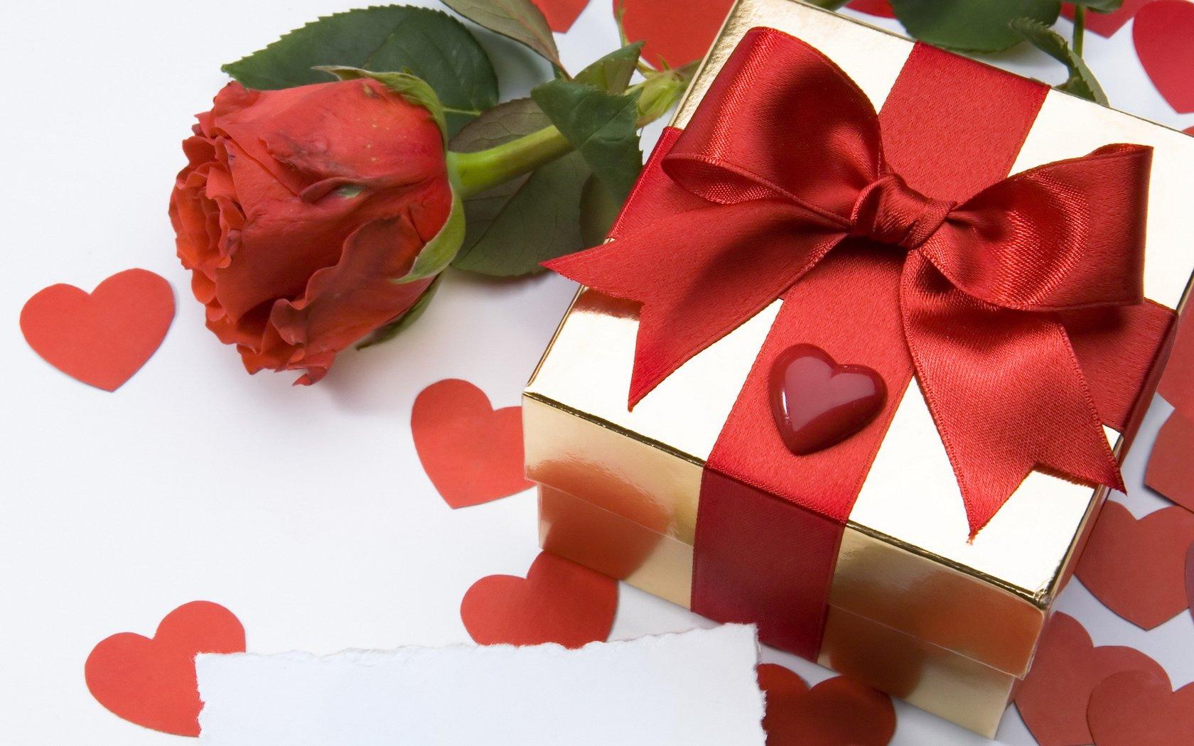 Как романтично подарить подарок мужчине