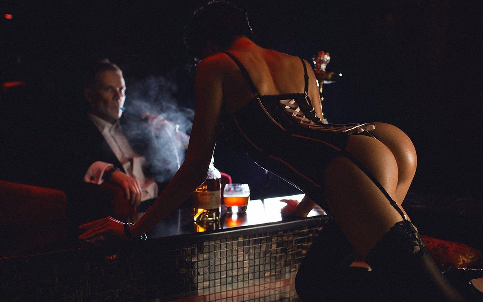 Смотреть порно коктейль у барной стойки