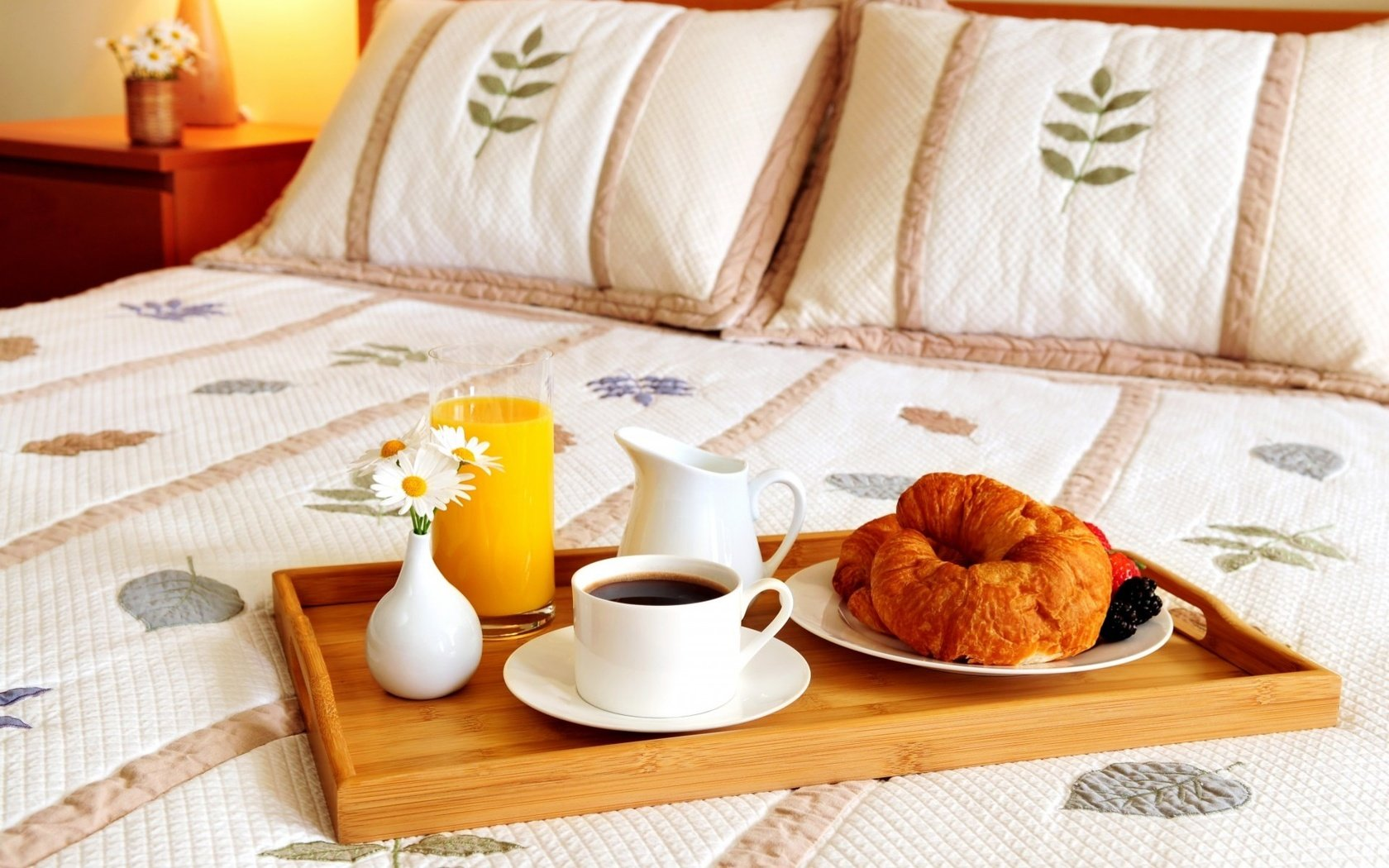эта картинка поднос с кофе на утро польше