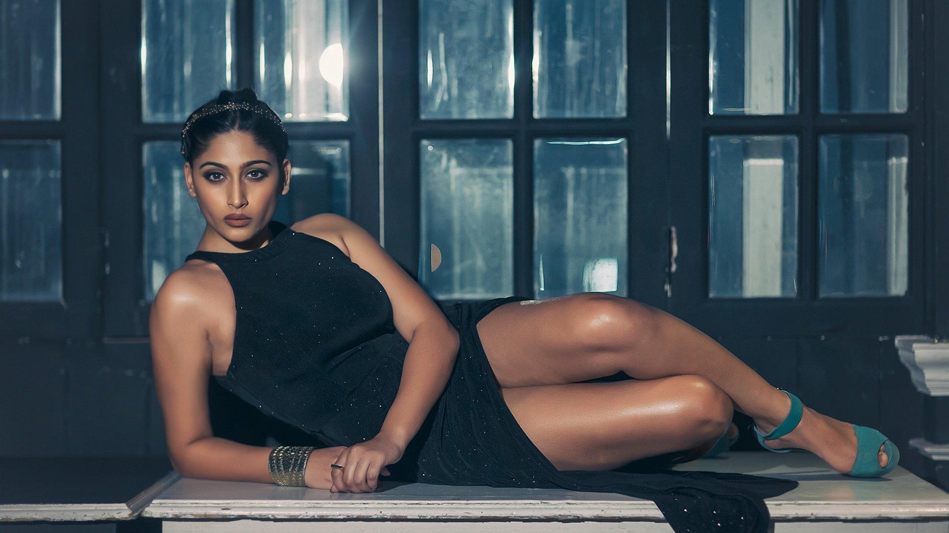 Голая индийская модель и актриса рия сен в частном ...