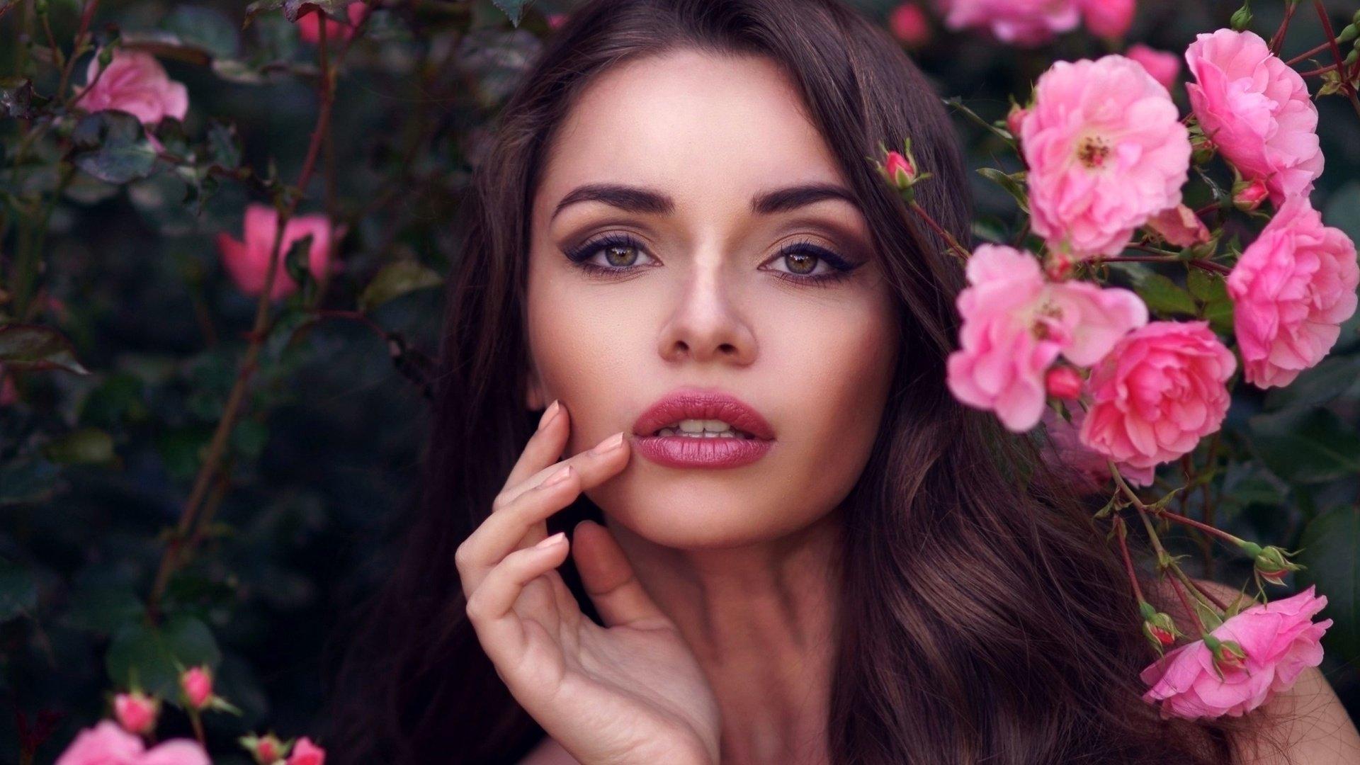 девушка лицо цветы розы природа трава без смс