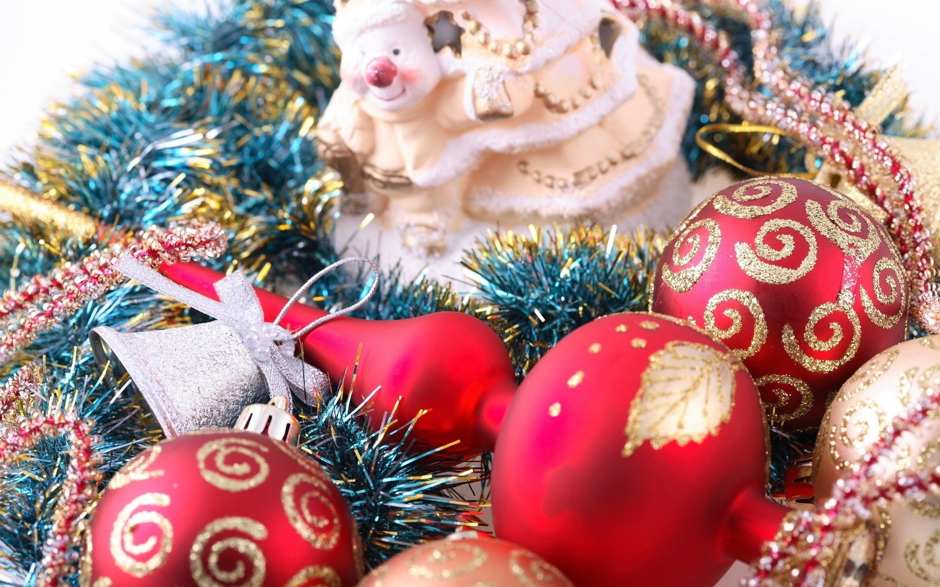 просчитывают новый год картинки на рабочий стол игрушки спасибо участие опросе