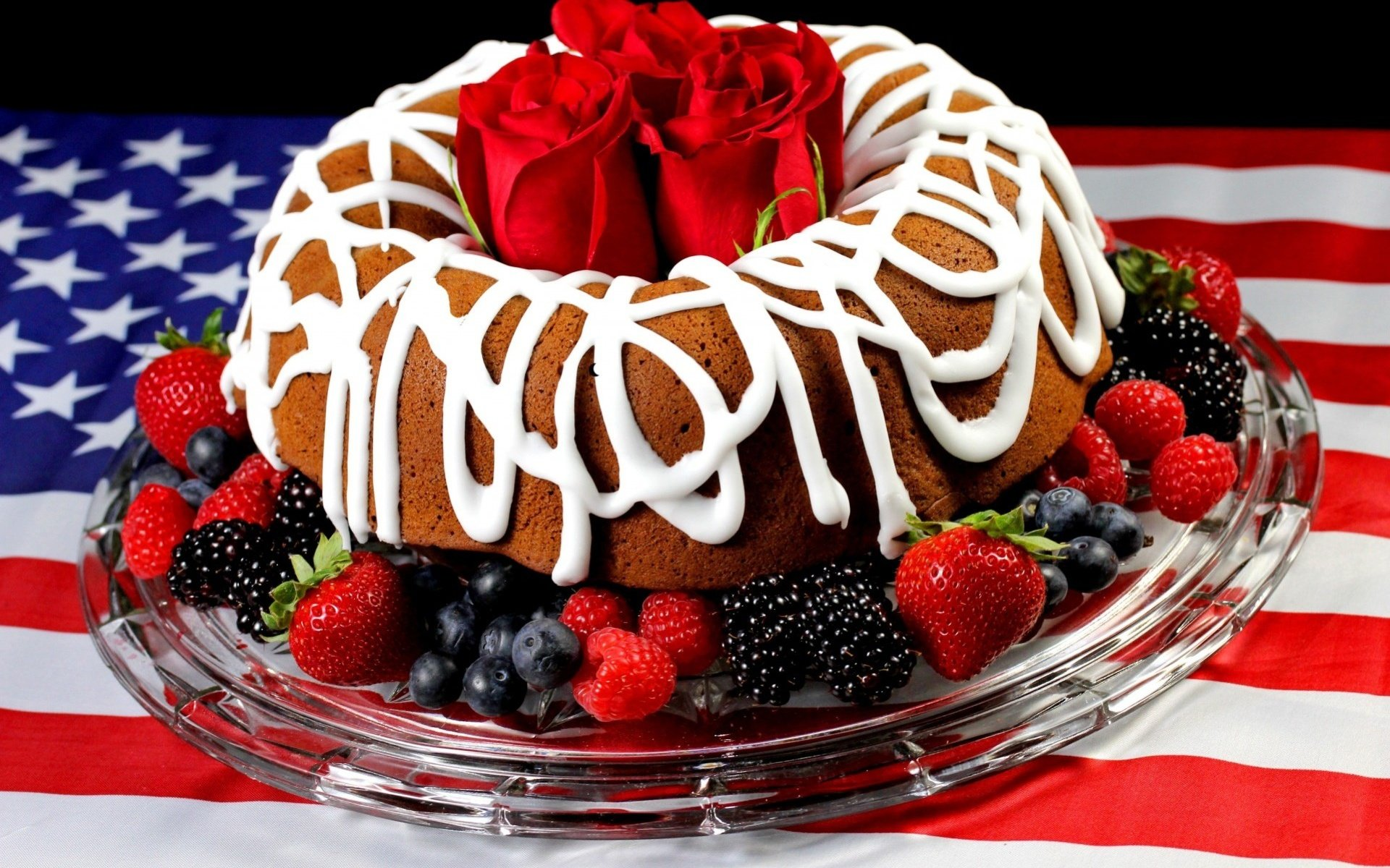 Открытка шикарный торт