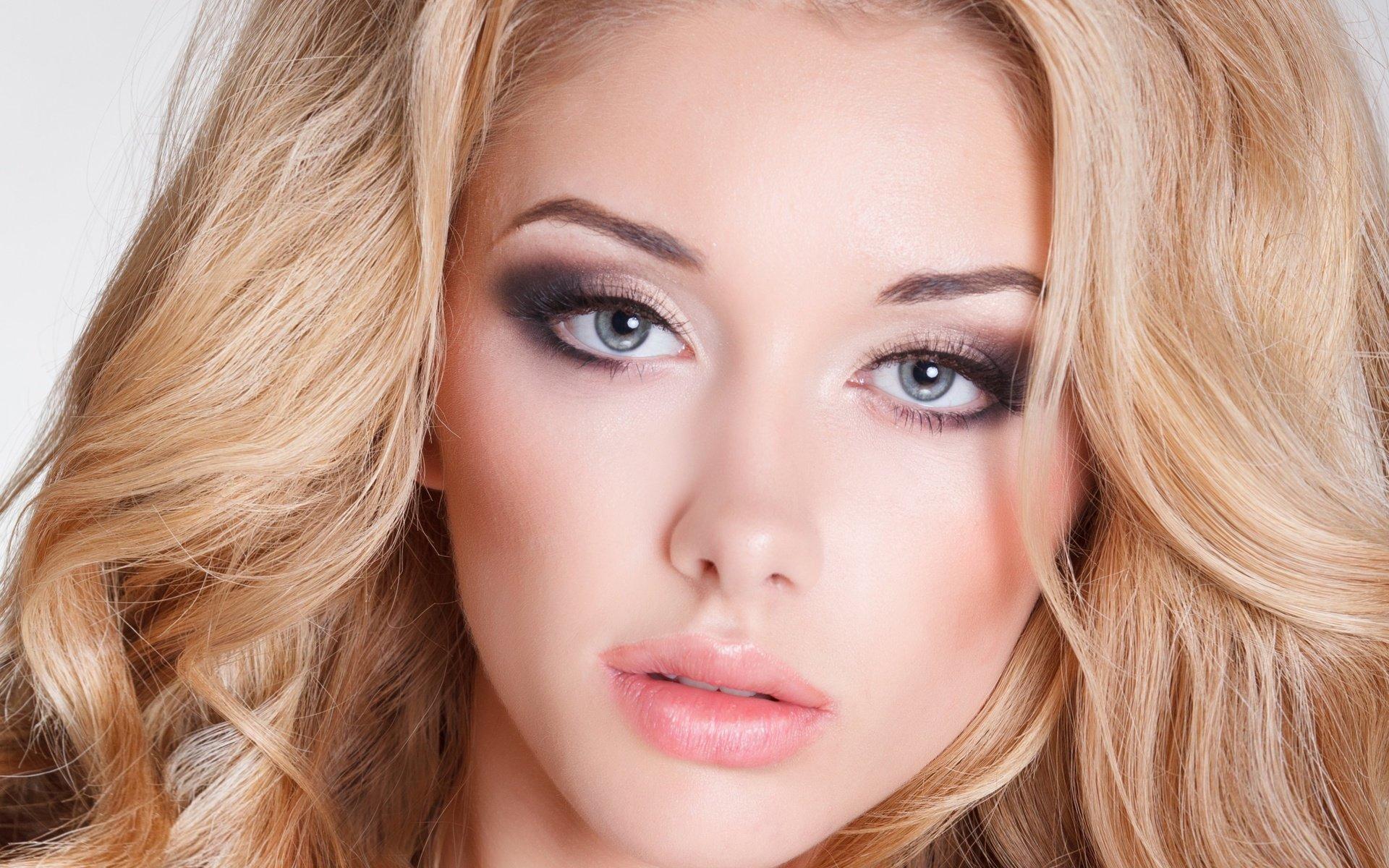 Макияж для серо зеленых глаз и блондинок фото