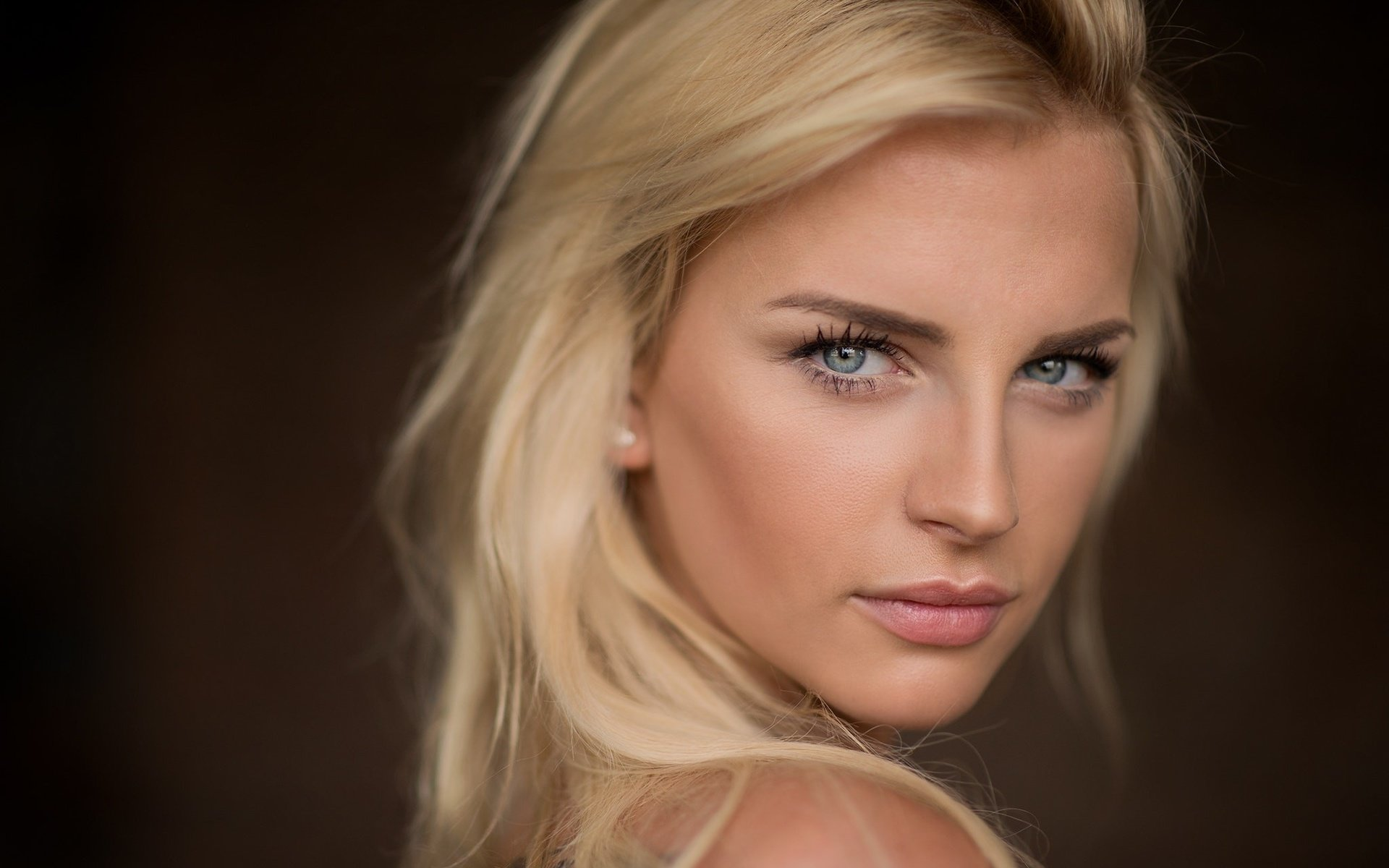 девушка взгляд лицо блондинка бесплатно