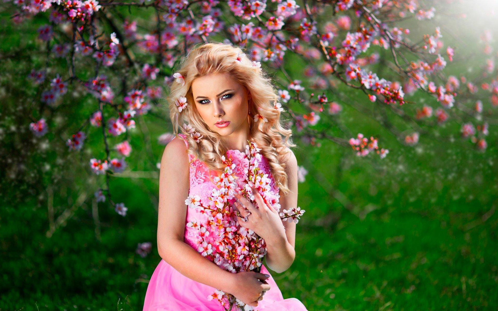 Девушки фото красивые в розовом