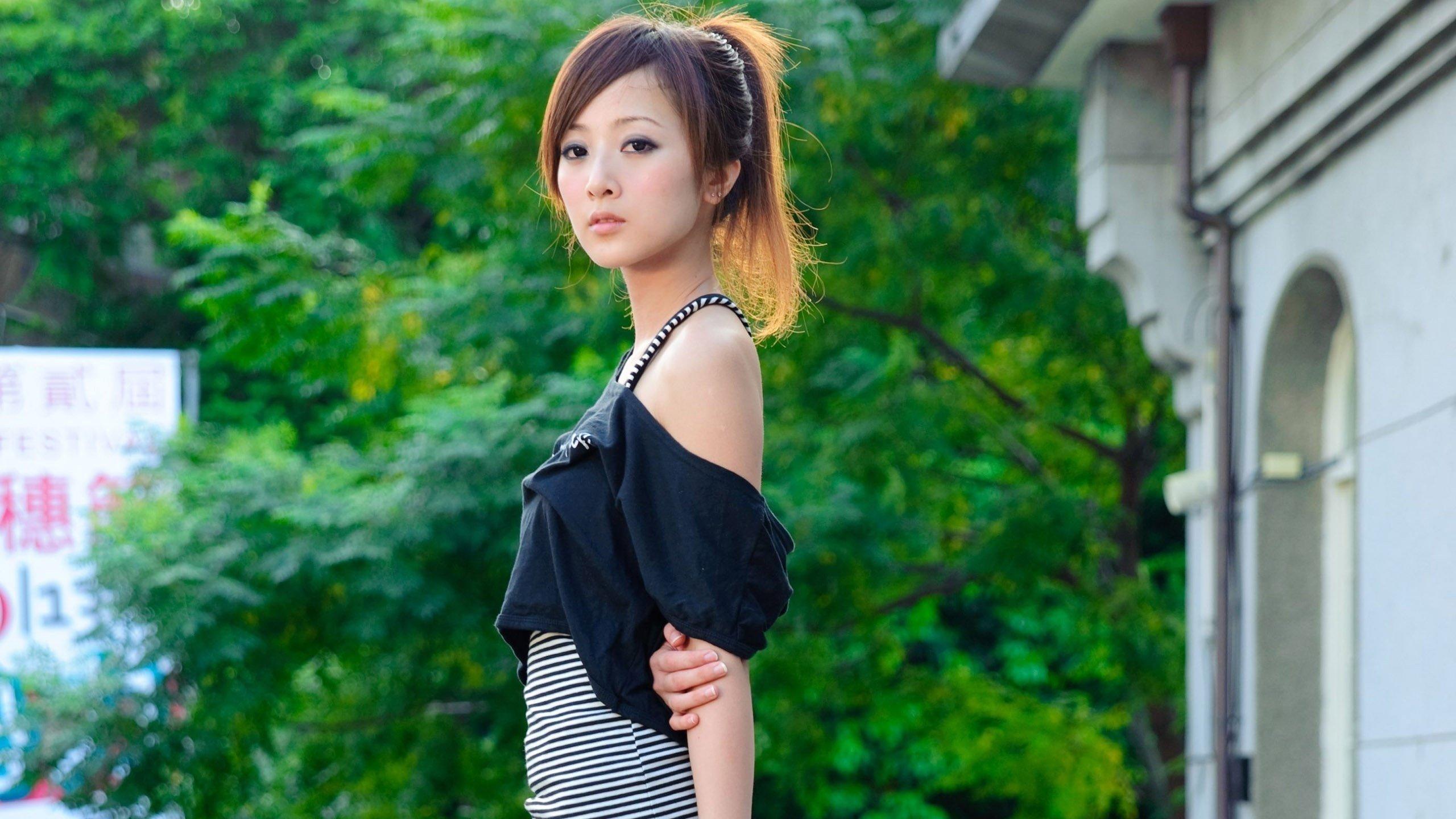 Японскую красивую видео, кореянки порно с негром