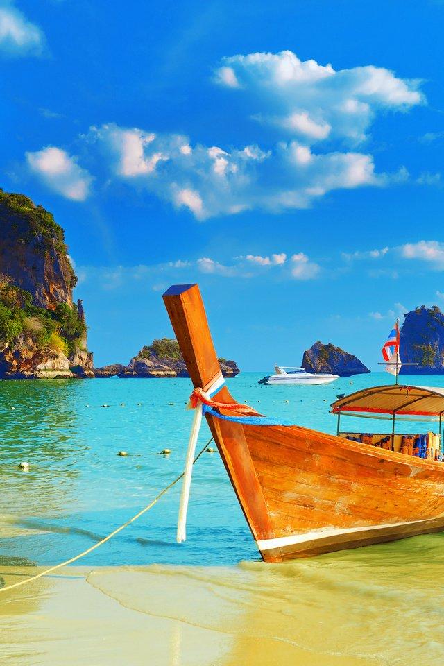 картинки на телефон лодка море широко расставляет ноги