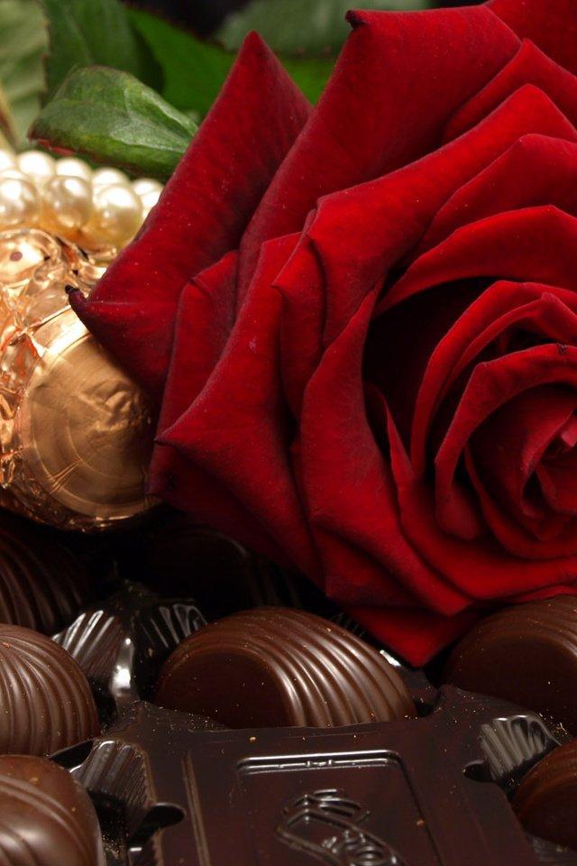 Поздравление маме, открытка цветы и конфеты