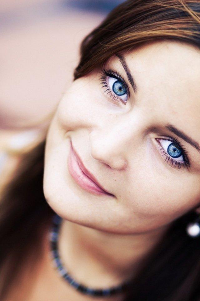Fingering girl blue eyes facial trains books for
