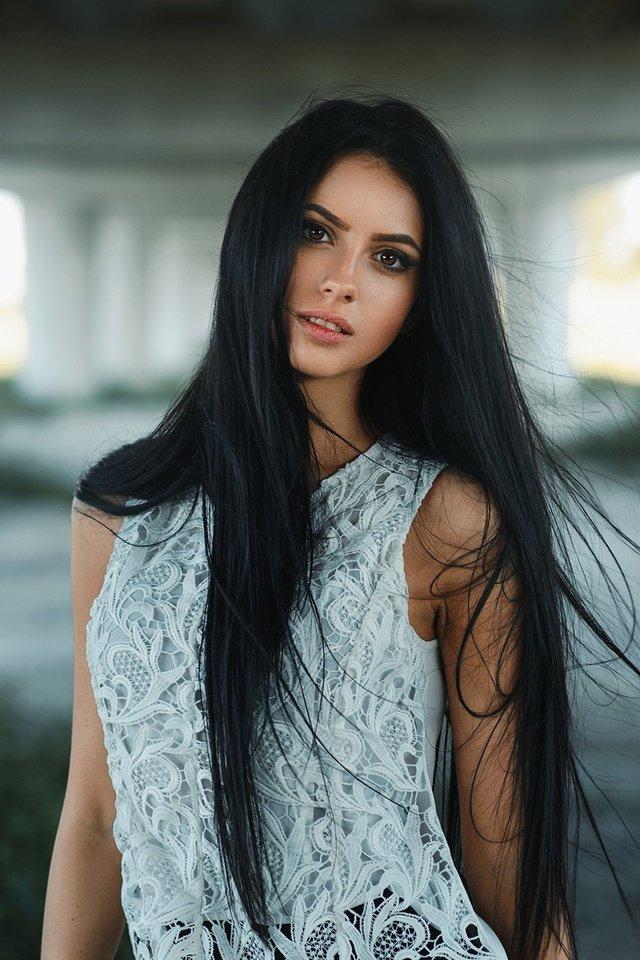 брюнетки с длинными и красивыми волосами что ролик