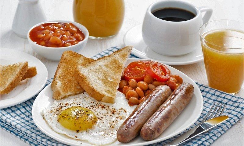 Завтрак кофе яичница сок тосты без смс