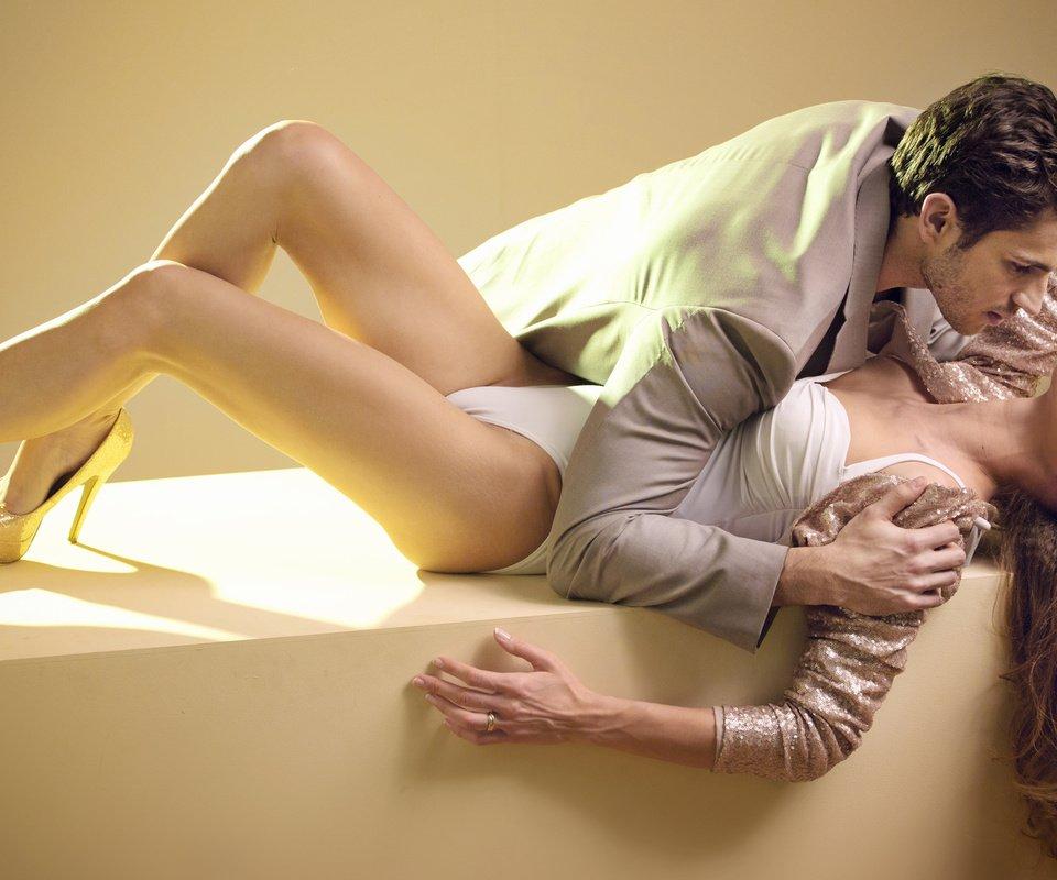 erotika-oboi-on-i-ona