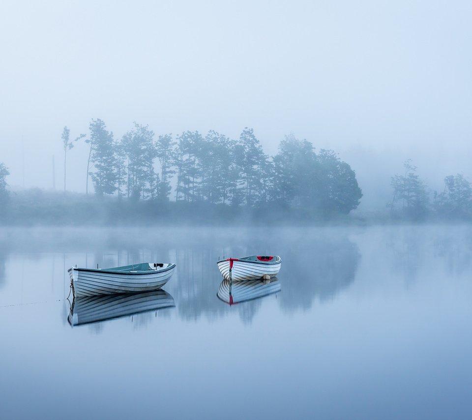 Лодка озеро туман