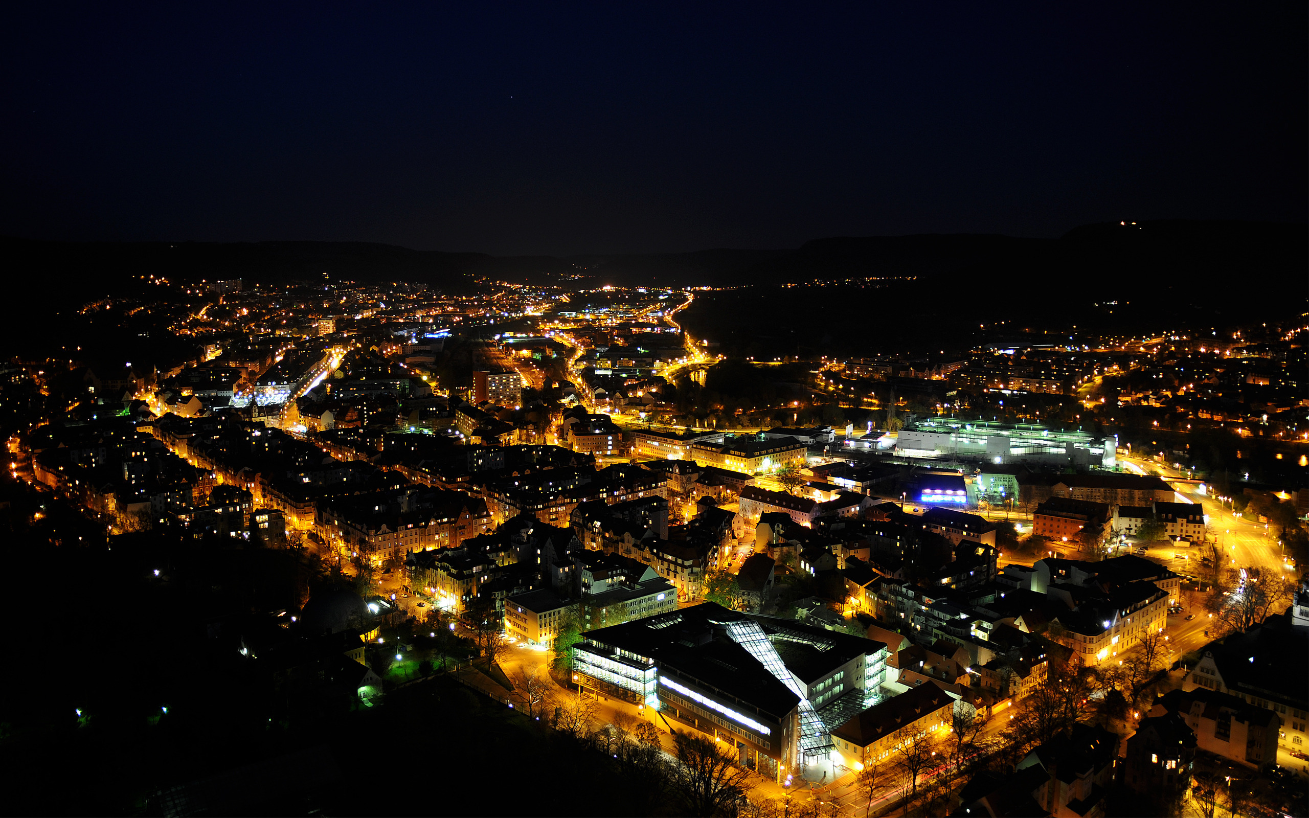 Ночные огни города бесплатно