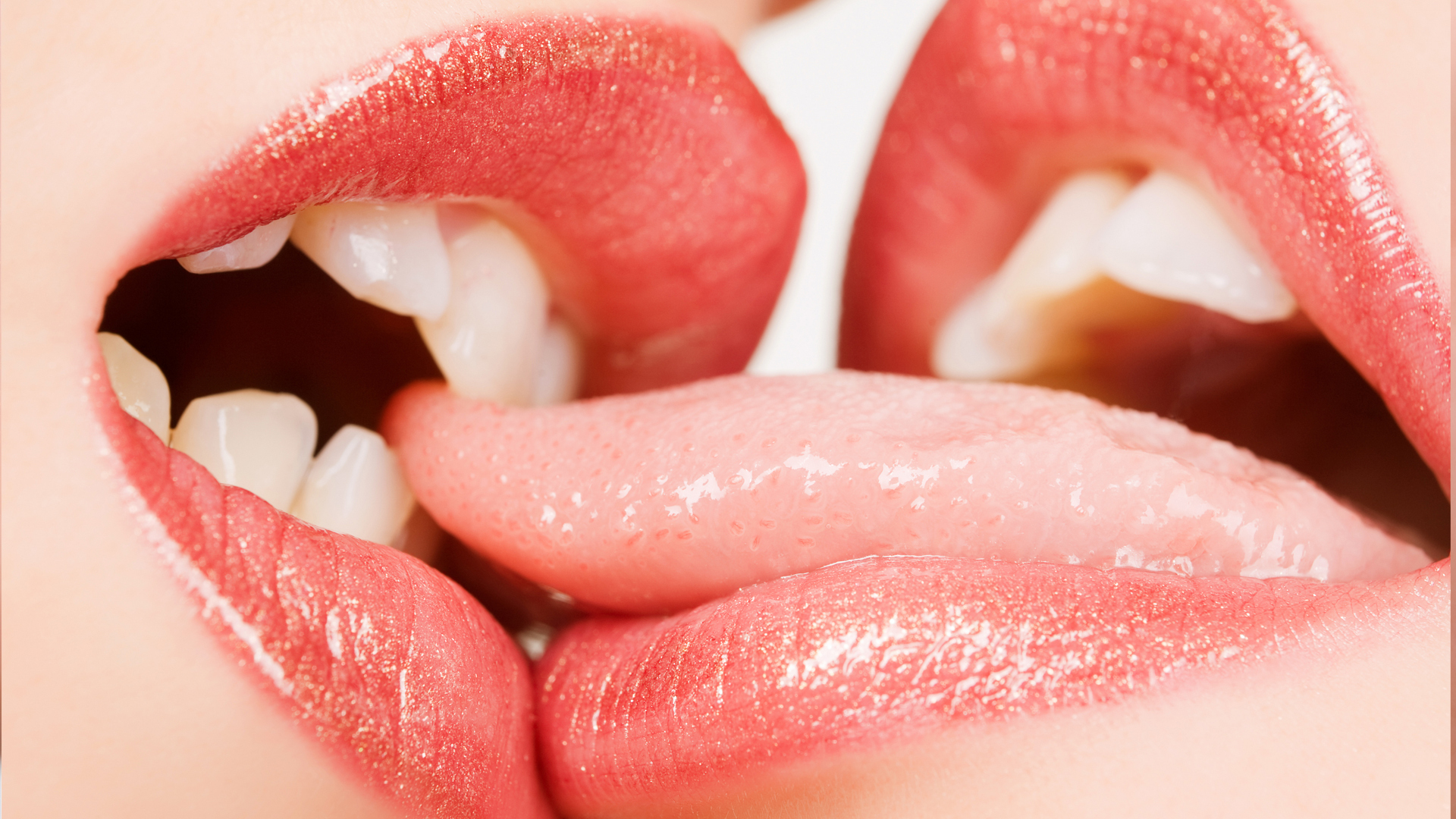 European MILF lesbians Sapphire and Cherry Blush tongue meaty labia lips № 712809 загрузить