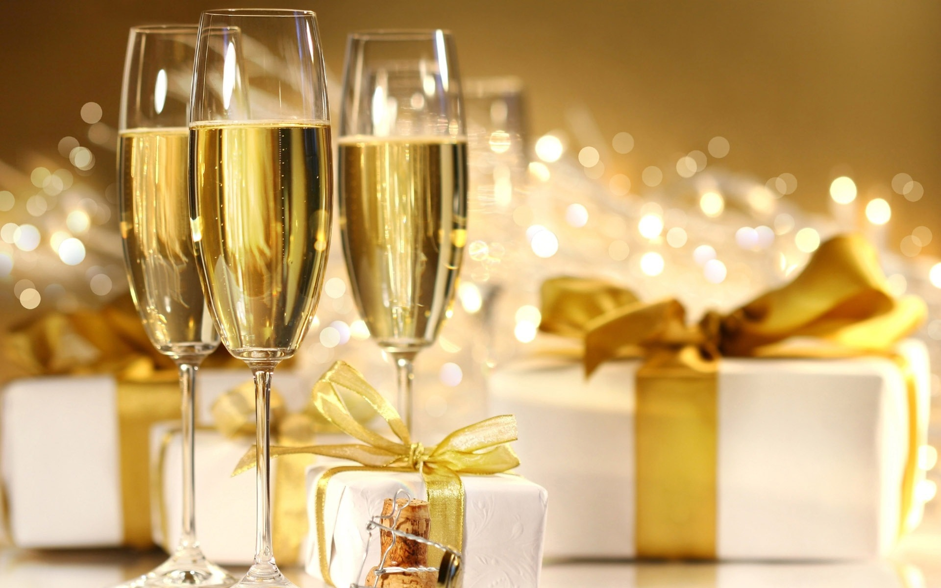 Открытка с шампанским с новым