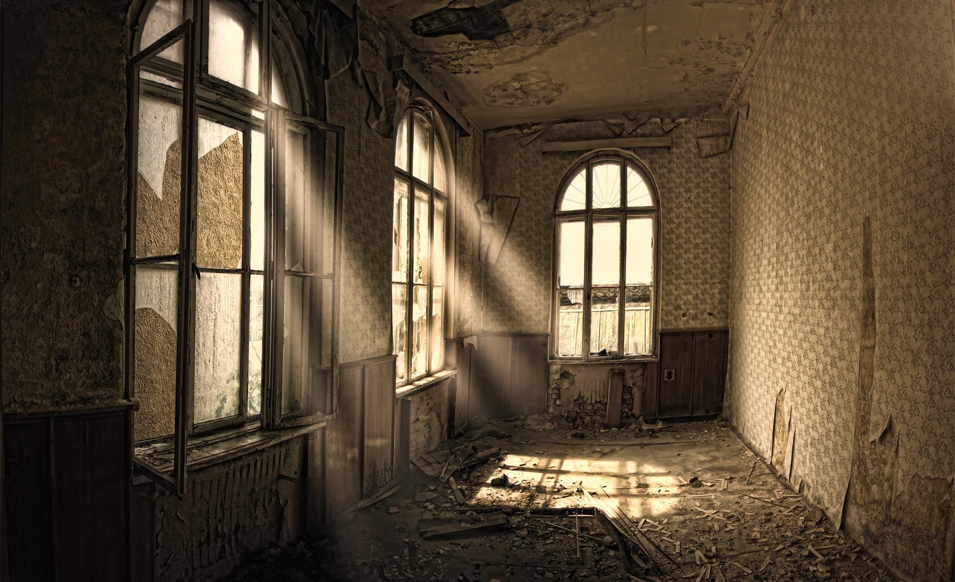 Дом старый комната окно листья бесплатно