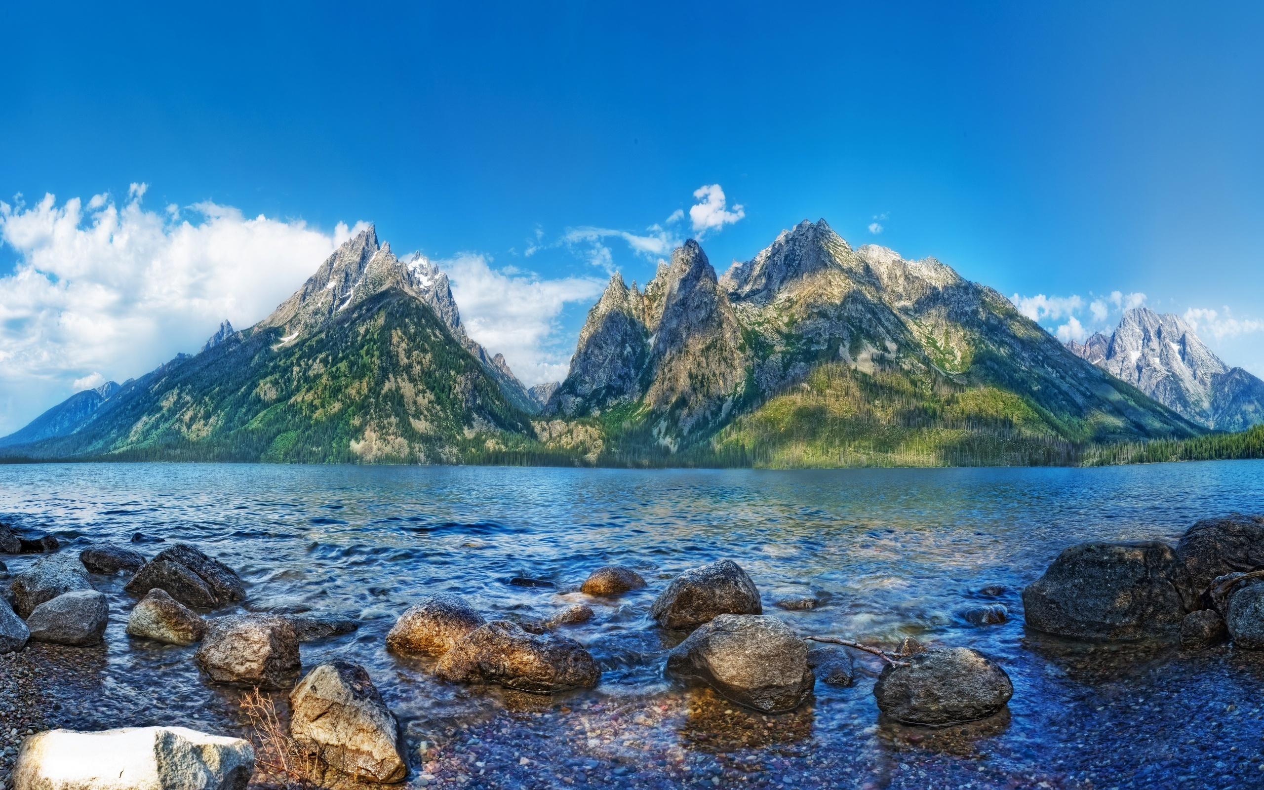 горы, облака, озеро бесплатно