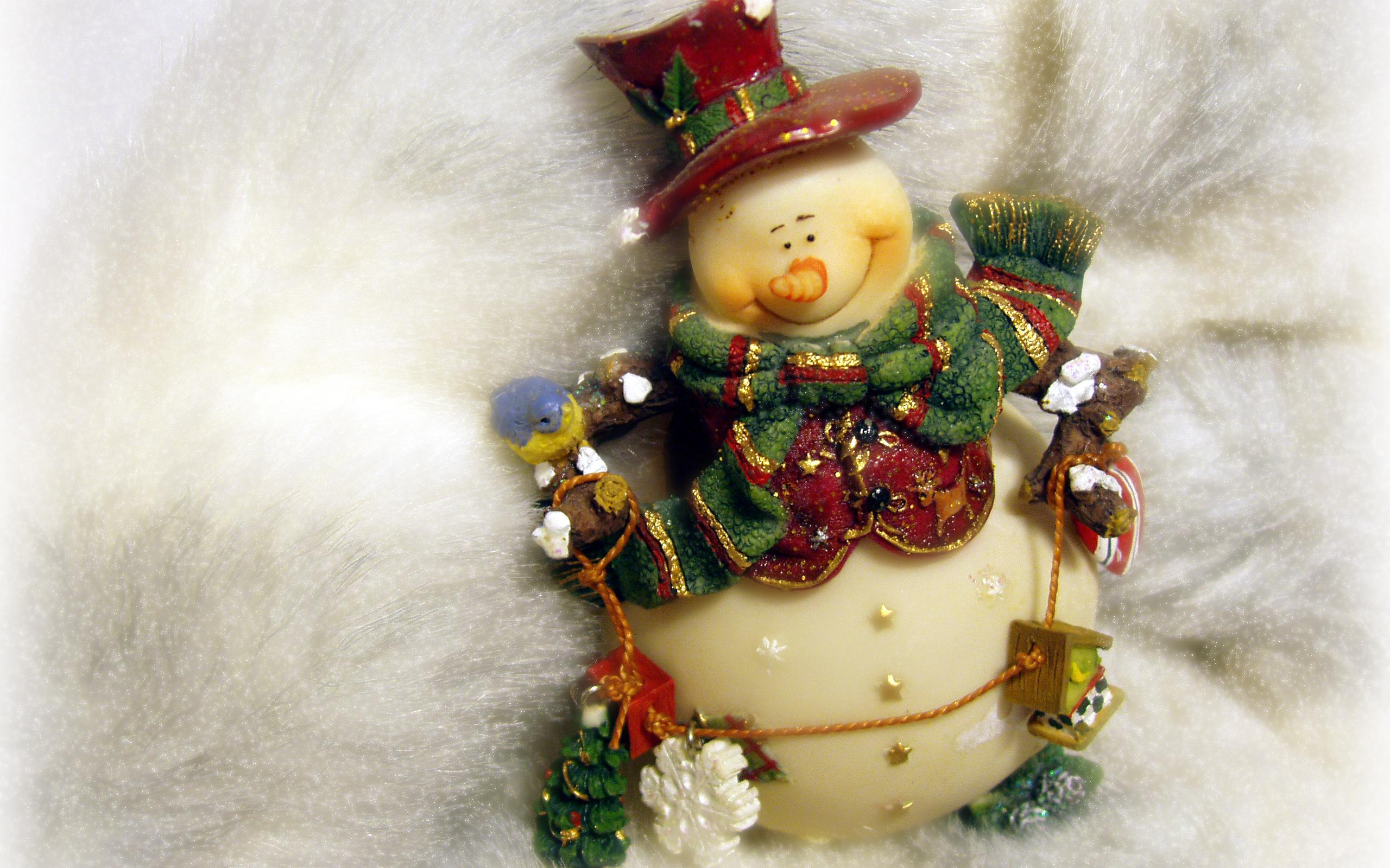 Картинка с новым годом снеговик, сильно тебя