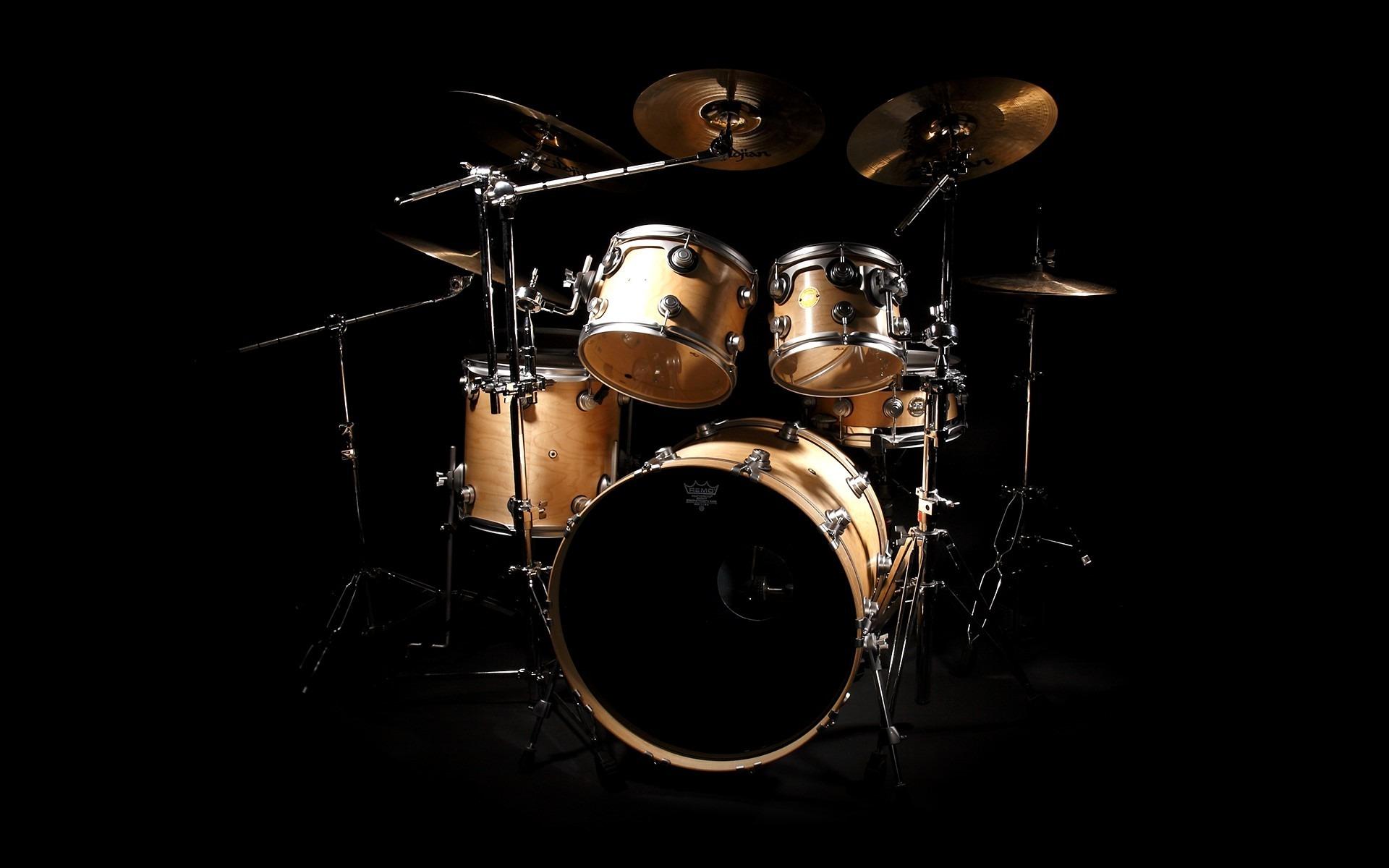 Картинки музыкальных инструментов на черном фоне