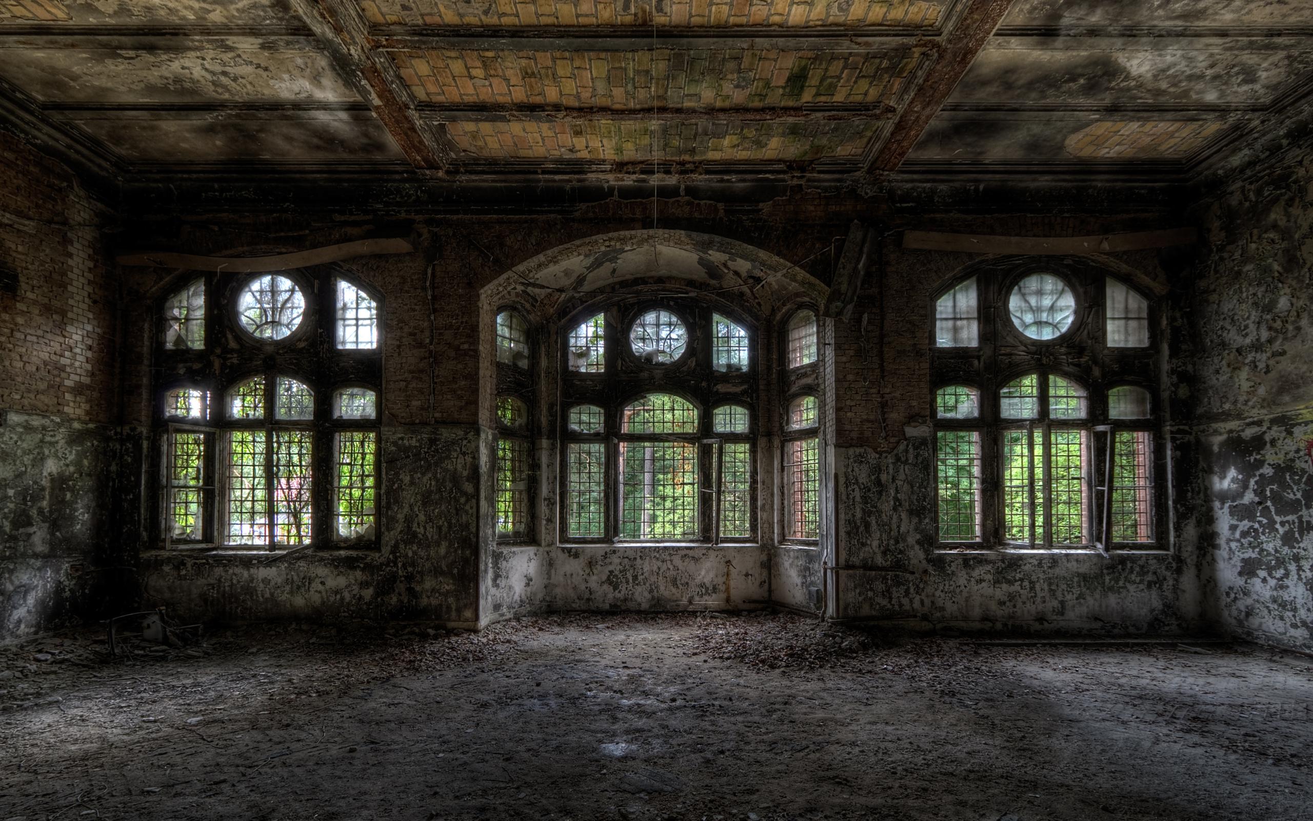 заброшенный дом двери окна коридор  № 2195372  скачать