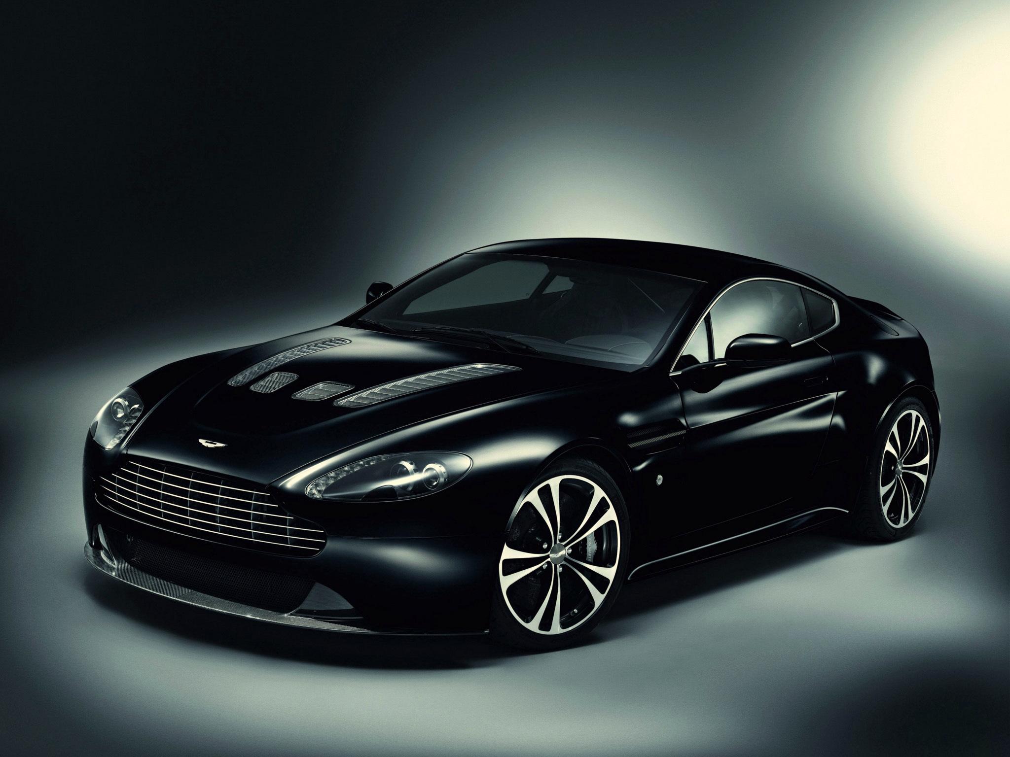 Aston Martin black скачать