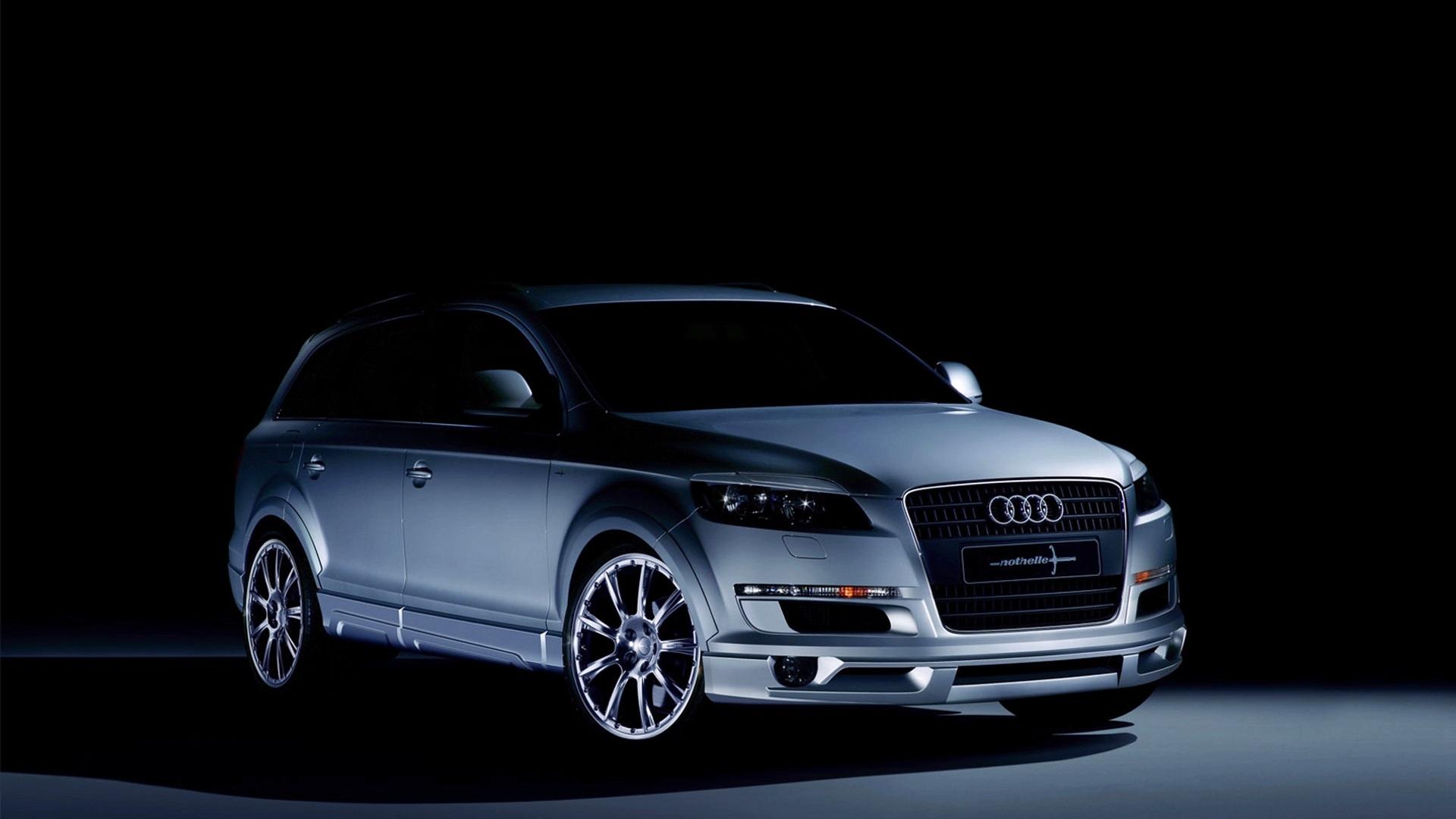 Audi Q7 в пустыне без смс