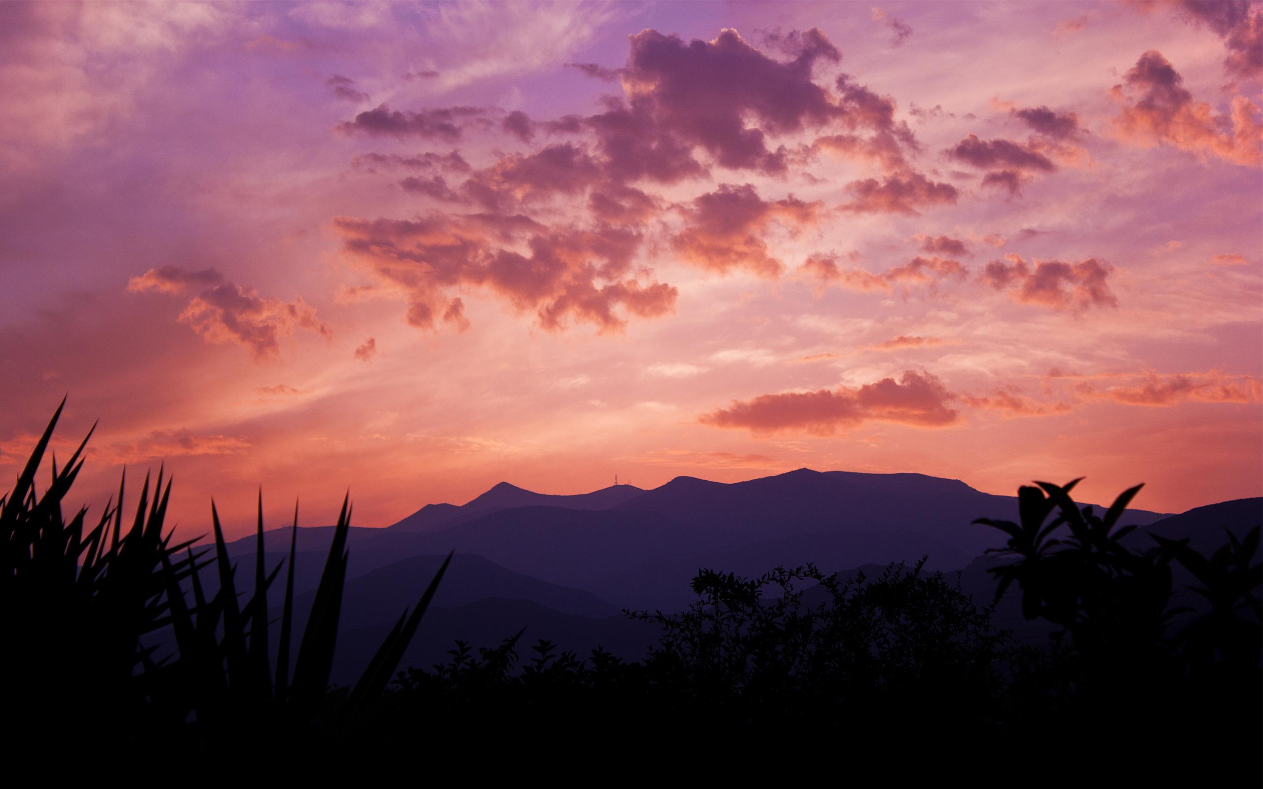горы на закате скачать