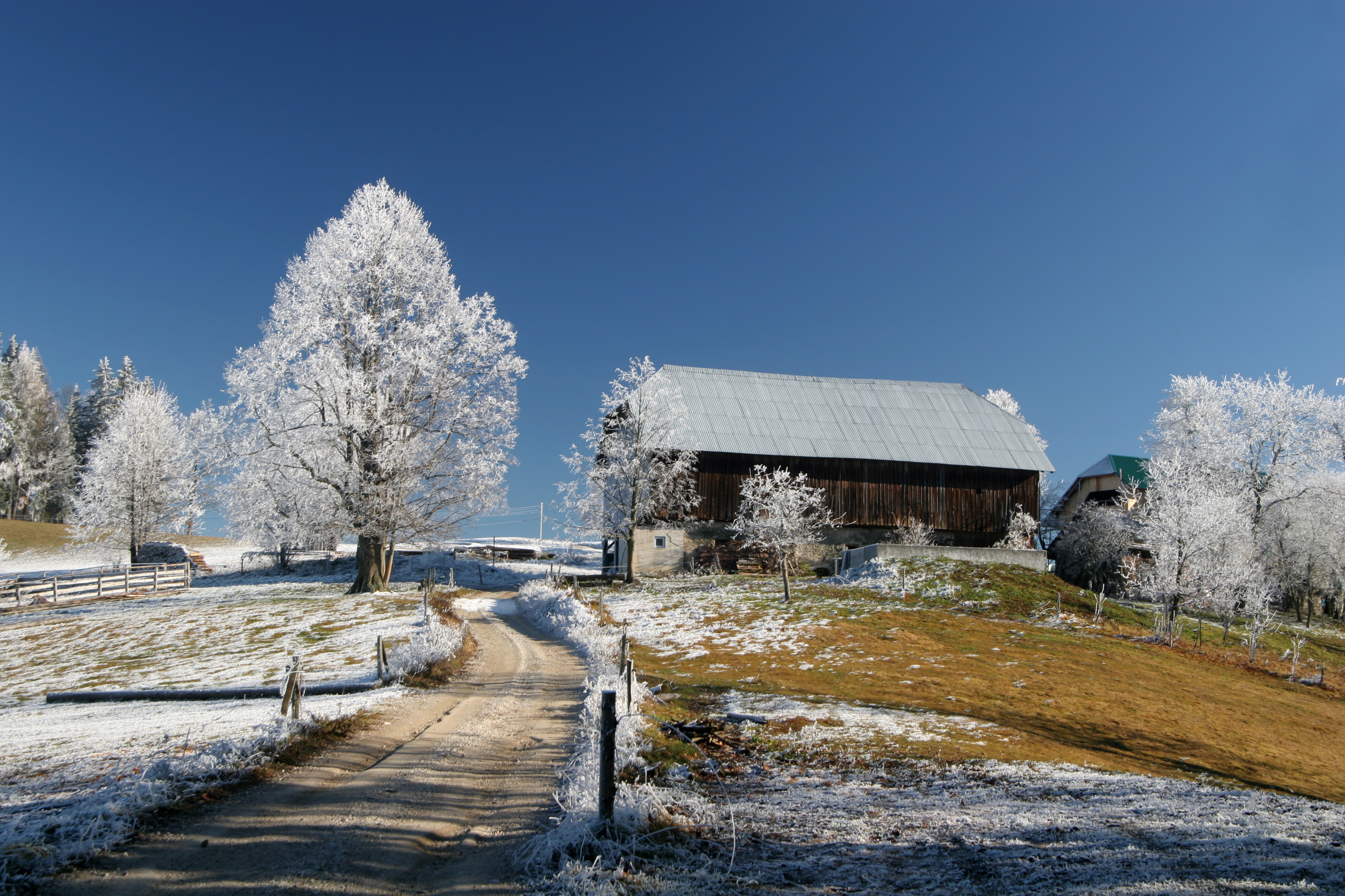 Дом зима дорога снег без смс
