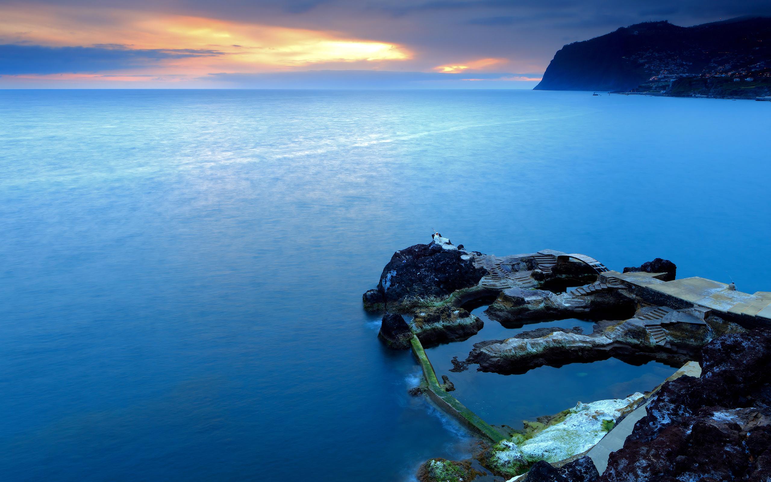 природа море скалы берег  № 2718649 загрузить