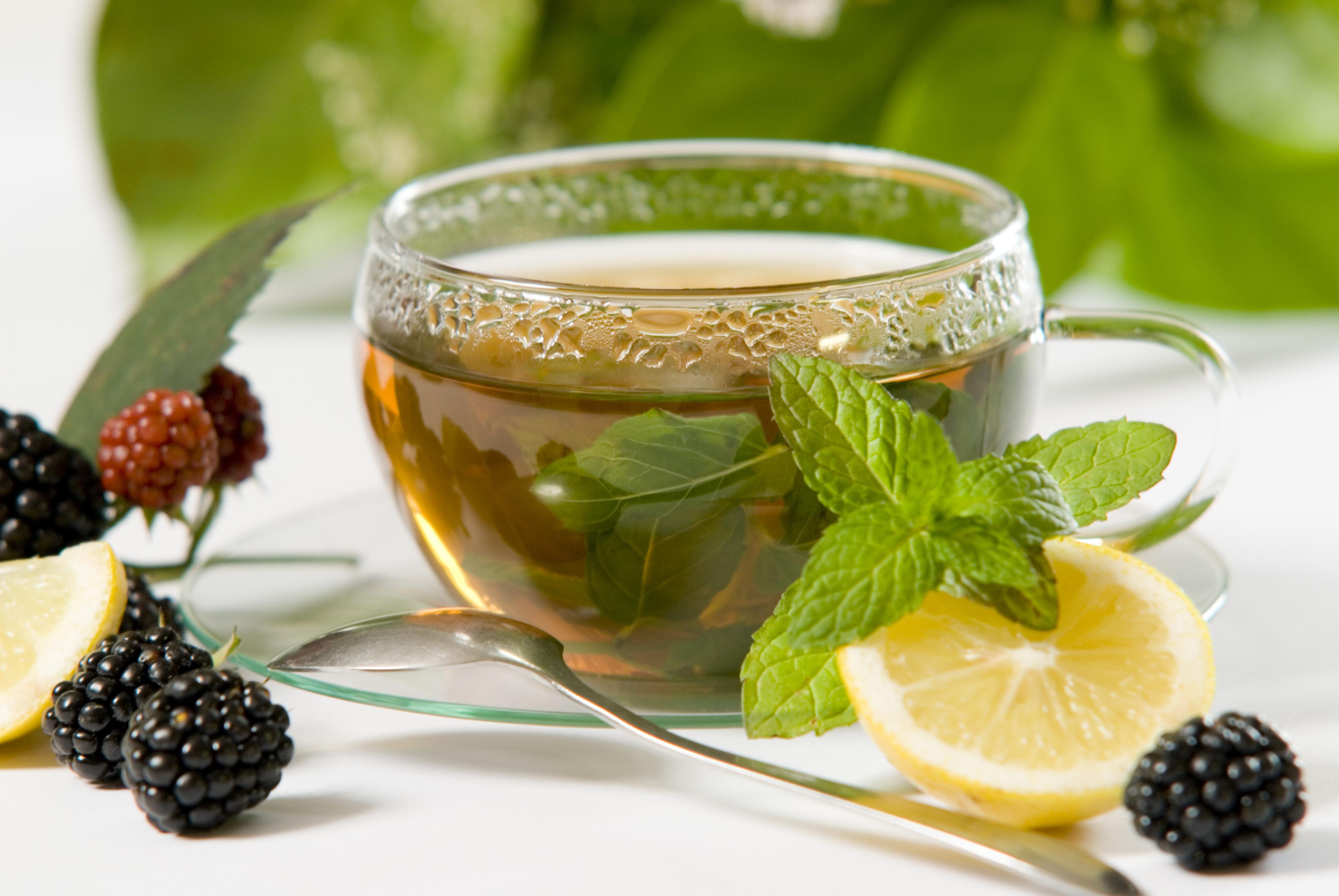 Чай и сухофрукты  № 674239 загрузить