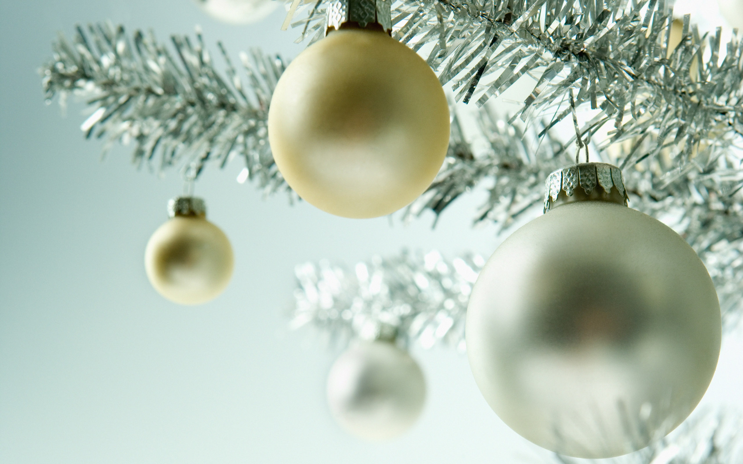 Девичник надписями, новогодние открытки с шарами на елке