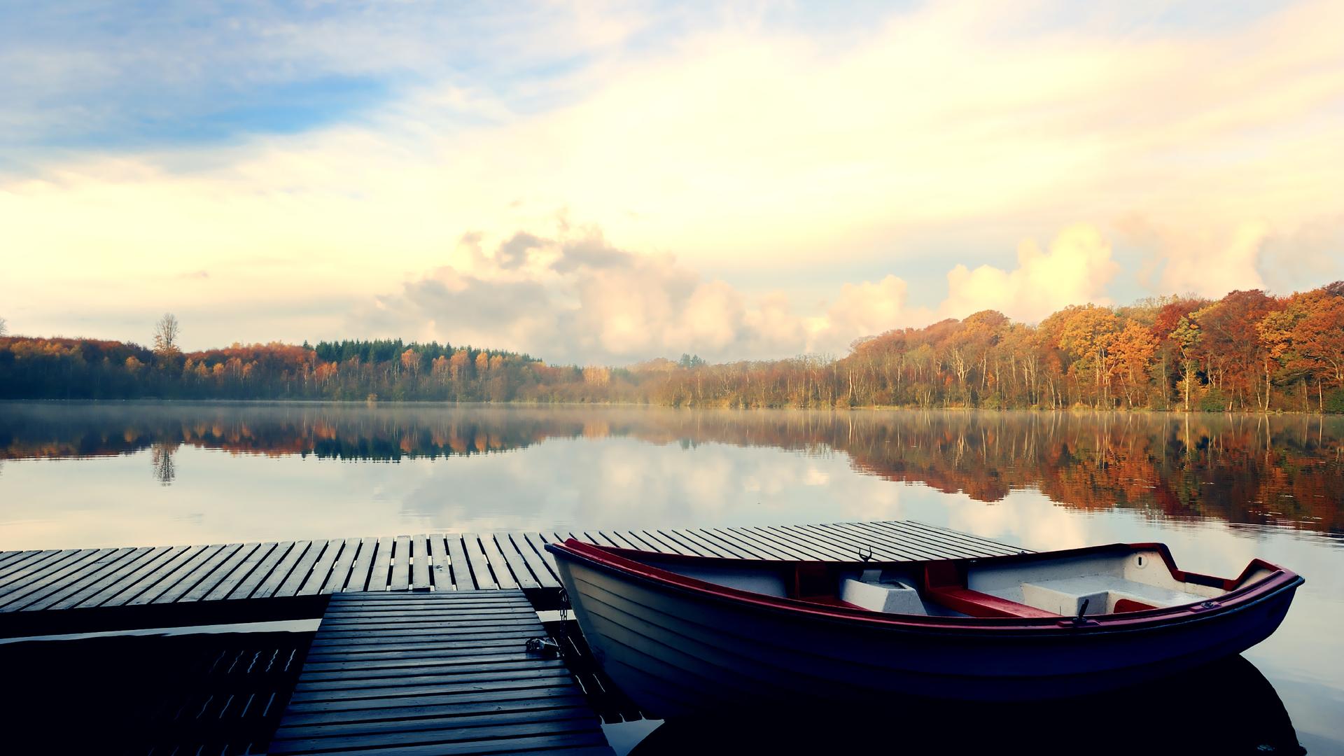Причалы на озере