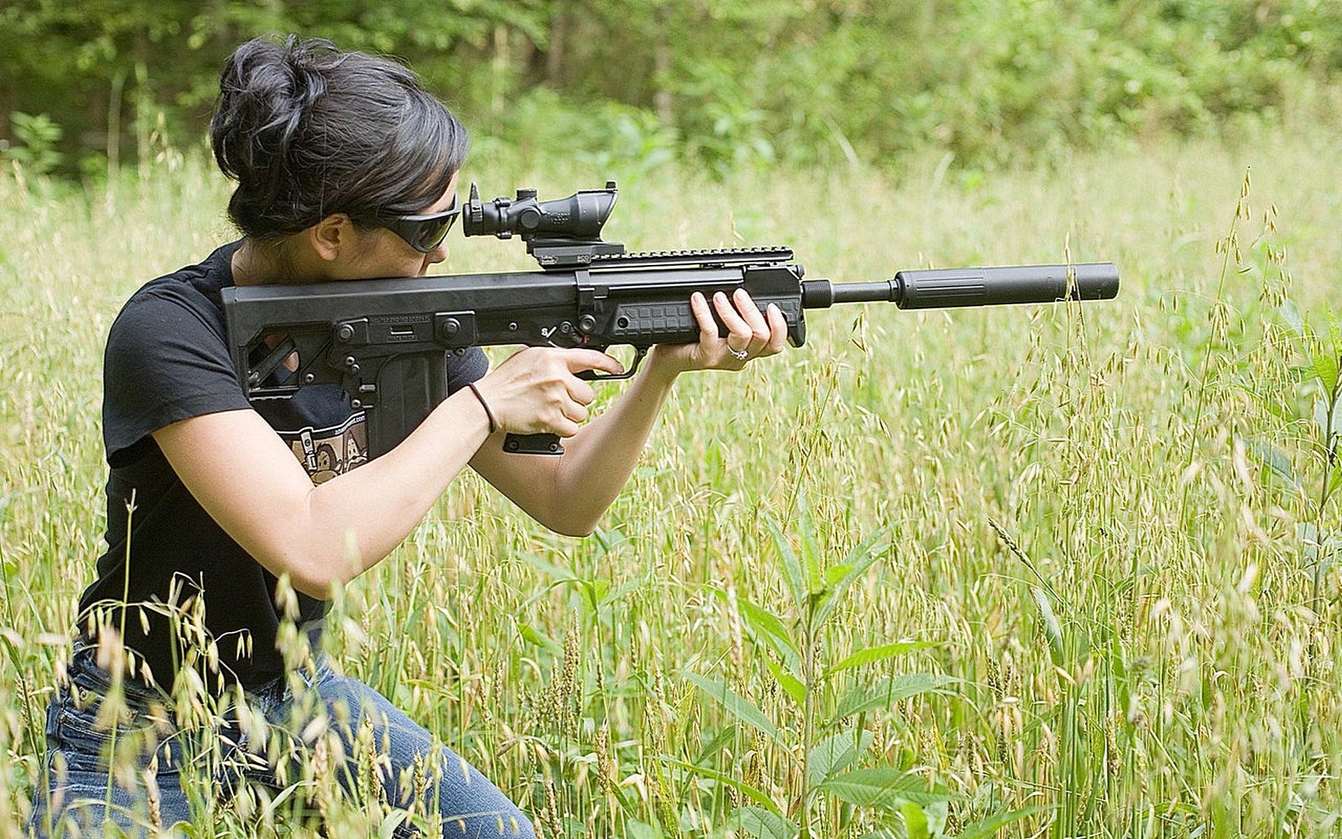 Снайпер в траве без смс