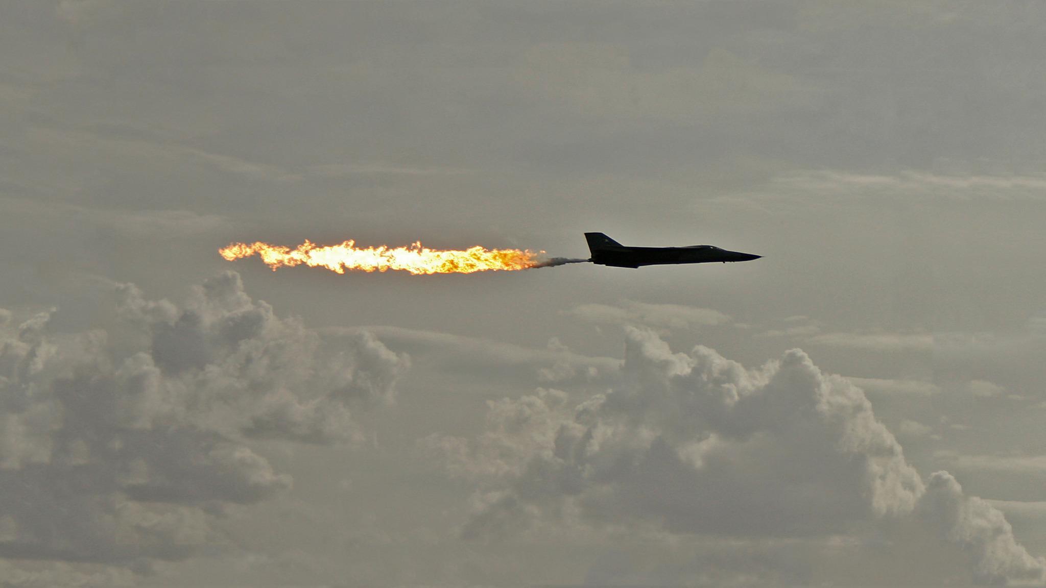 Искры, полет, огонь, вертолет, небо, самолет  № 3748983 загрузить